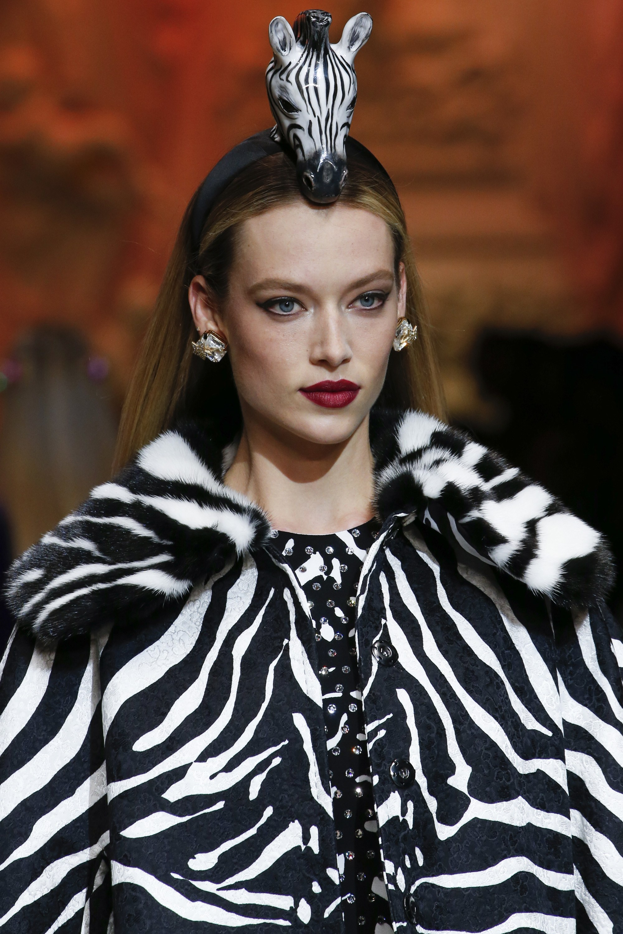 MILANO-Dolce & Gabbana Runway, Fall Winter 2018, Milan Fashion Week, Italy -  Model on the catwalk -Hailey Baldwin-Cara Taylor,   <P> Pictured: Models, <B>Ref: SPL1663598  260218  </B><BR/> Picture by: NPictures / Splash News<BR/> </P><P> <B>Splash News and Pictures</B><BR/> Los Angeles:310-821-2666<BR/> New York:212-619-2666<BR/> London:870-934-2666<BR/> <span id=