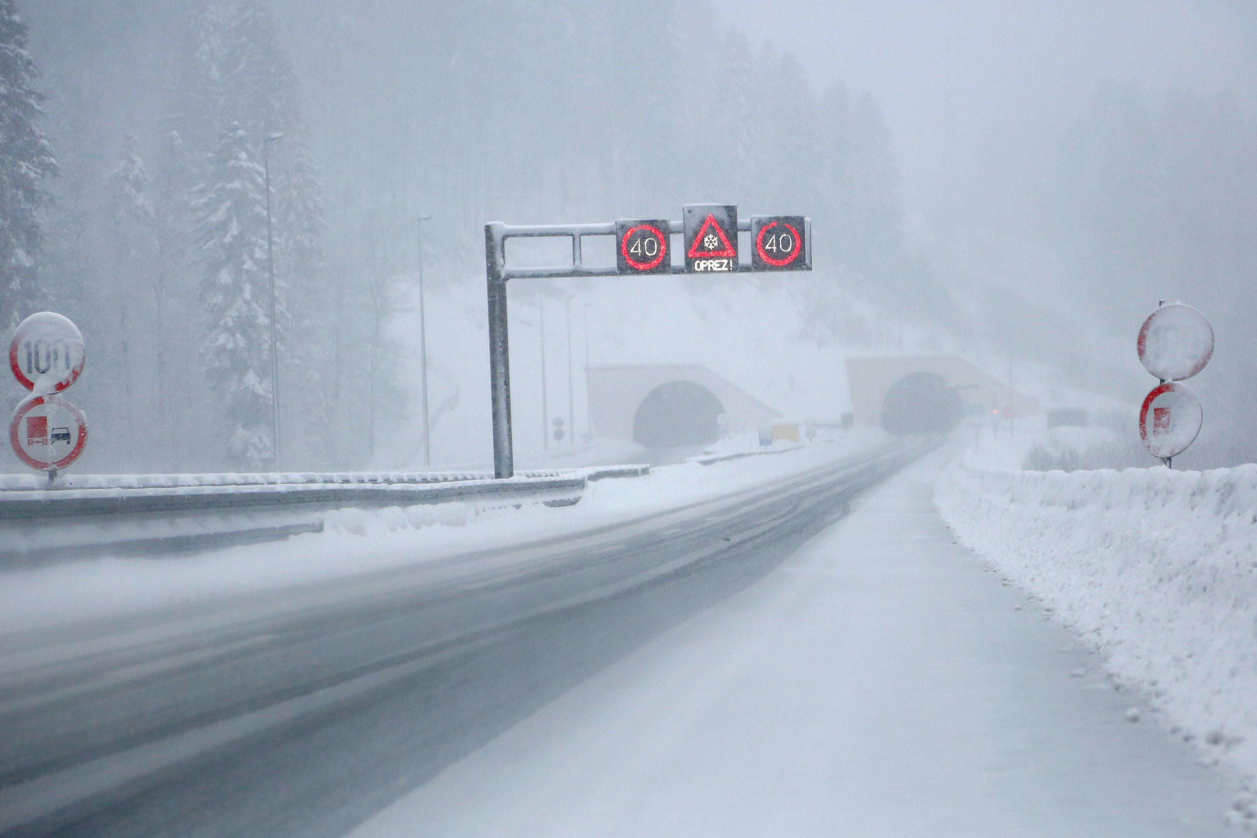 snijeg_autoput1-180218
