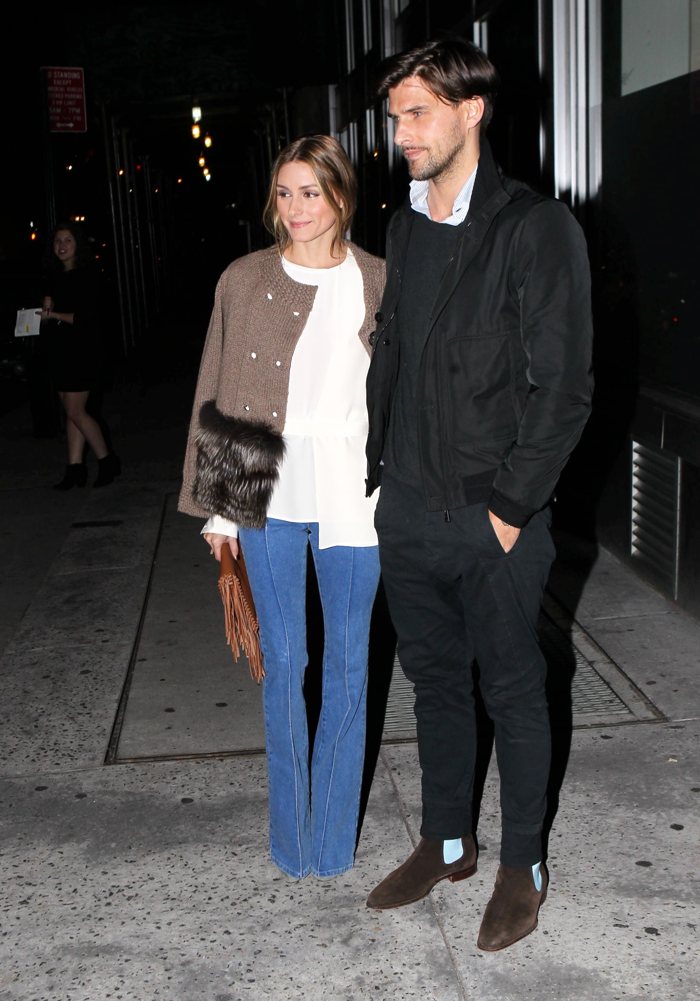 Reality star and fashion icon, Olivia Palermo, was spotted in NYC, wearing pale blue jeans, a white top and a earth-toned jacket, with her hubby, Johannes Huebl, on Wednesday, November 12, 2014 X17online.com