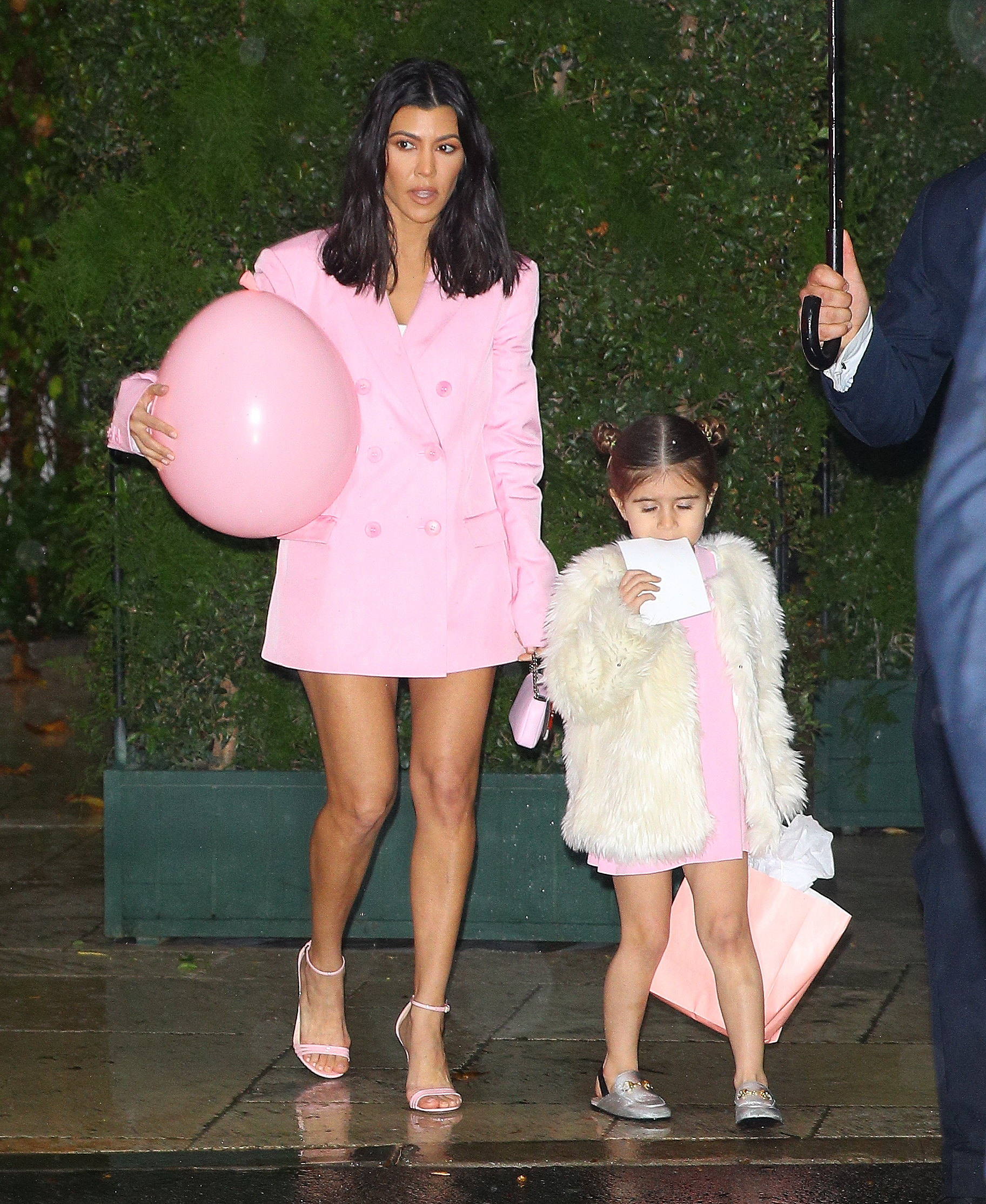 kourtney Kardashian and Penelope leave khloe kardashian baby shower in Los Angeles, CA <P> Pictured: kourtney Kardashian and Penelope leave khloe kardashian baby shower in Los Angeles, CA <B>Ref: SPL1669954  100318  </B><BR/> Picture by: Pap Nation / Splash News<BR/> </P><P> <B>Splash News and Pictures</B><BR/> Los Angeles:310-821-2666<BR/> New York:212-619-2666<BR/> London:870-934-2666<BR/> <span id=