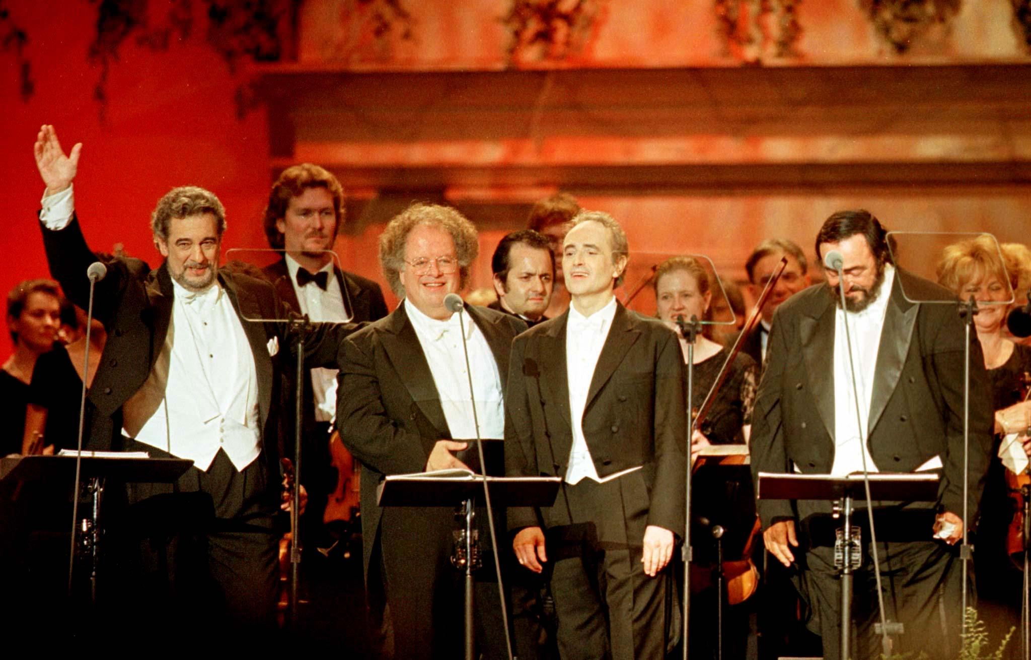 S lijeva na desno: Placido Domingo, James Levine, Jose Carreras i Luciano Pavarotti snimljeni 1999. godine