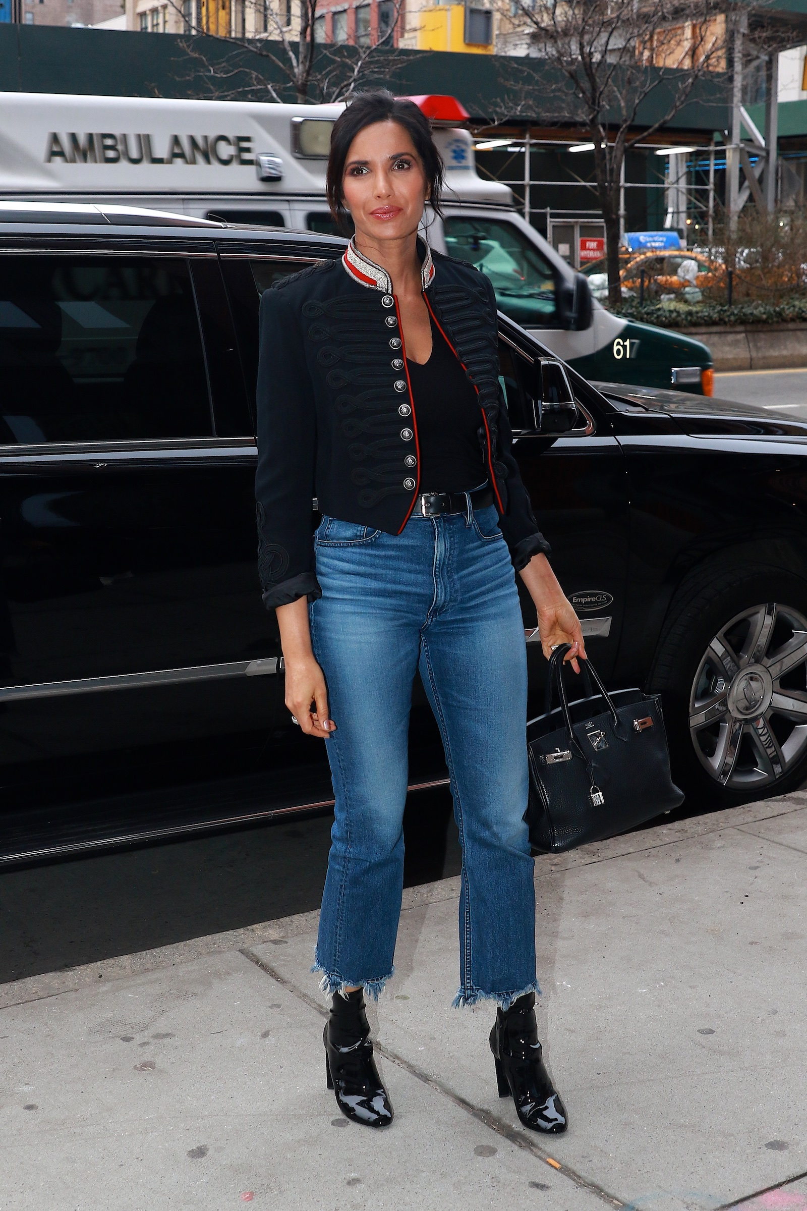 Padma Lakshmi returns home after appearing on AOL Build this evening in NYC <P> Pictured: Padma Lakshmi <B>Ref: SPL1669729  120318  </B><BR/> Picture by: Splash News<BR/> </P><P> <B>Splash News and Pictures</B><BR/> Los Angeles:	310-821-2666<BR/> New York:	212-619-2666<BR/> London:	870-934-2666<BR/> <span id=