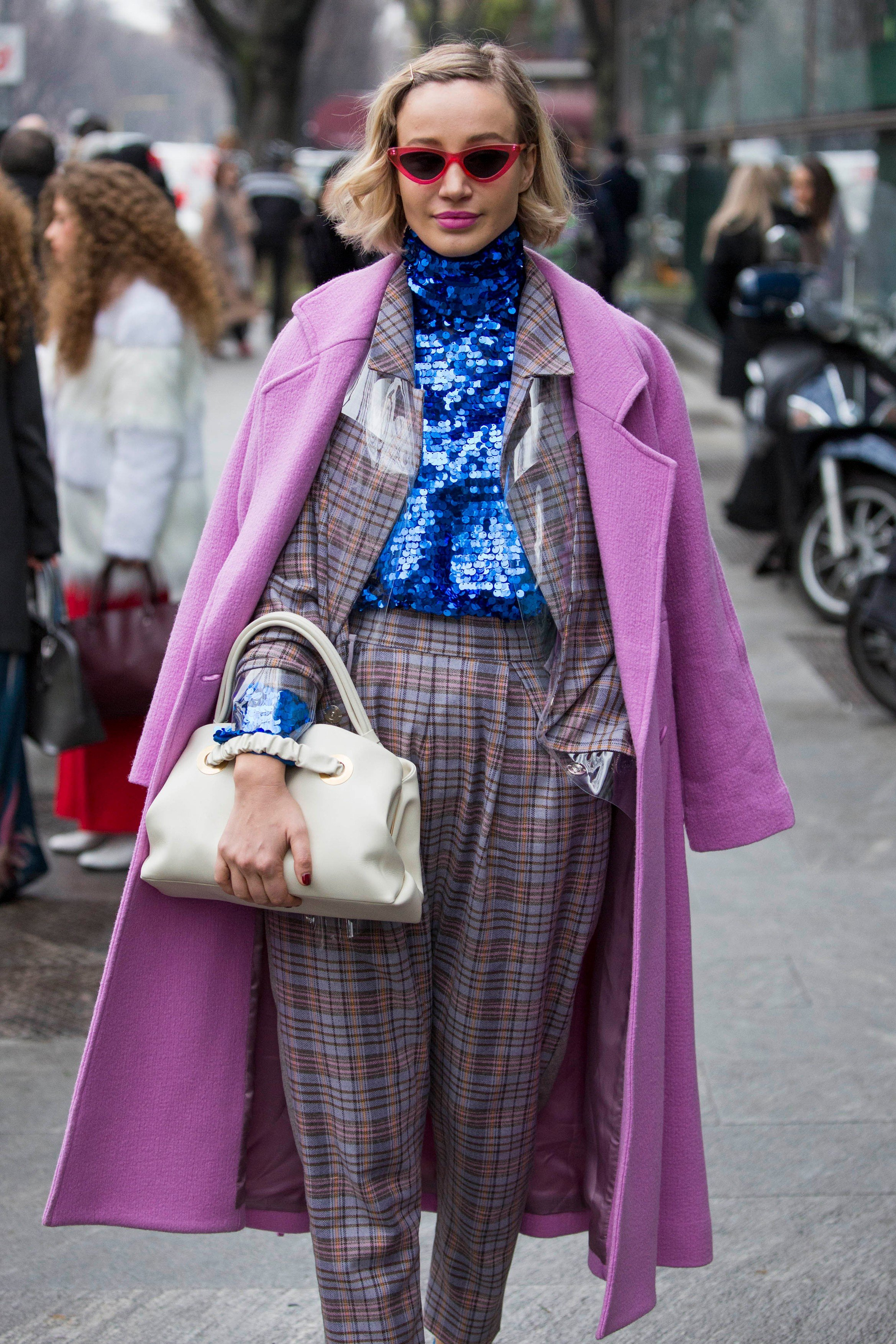 Fashion: street style at Milan Fashion Week 2018 outside of the Giorgio Armani show in Milan on February 24, 2018. 24 Feb 2018, Image: 364421688, License: Rights-managed, Restrictions: World Rights, Model Release: no, Credit line: Profimedia, Mega Agency
