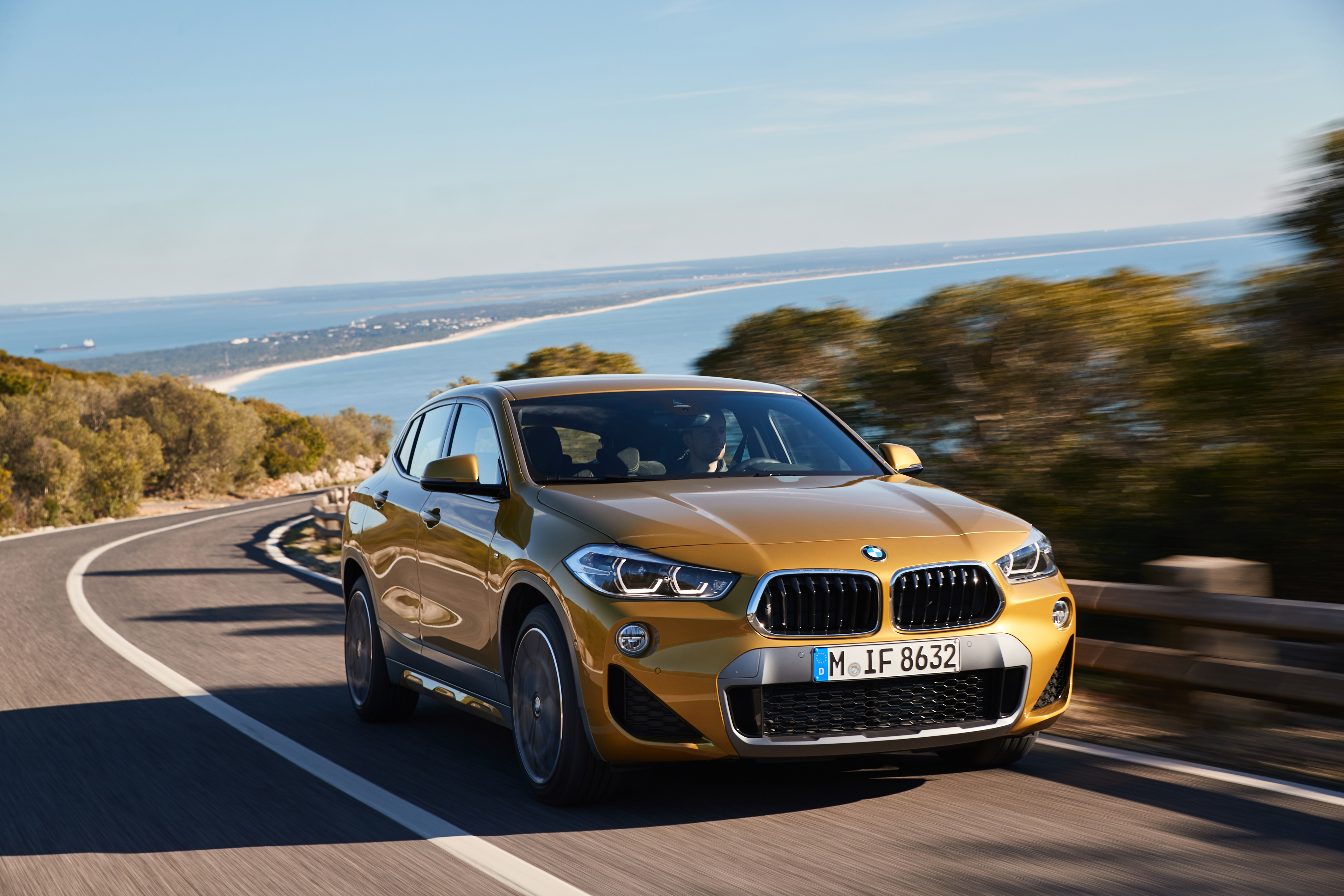 P90290846_highRes_the-new-bmw-x2-x2-xd