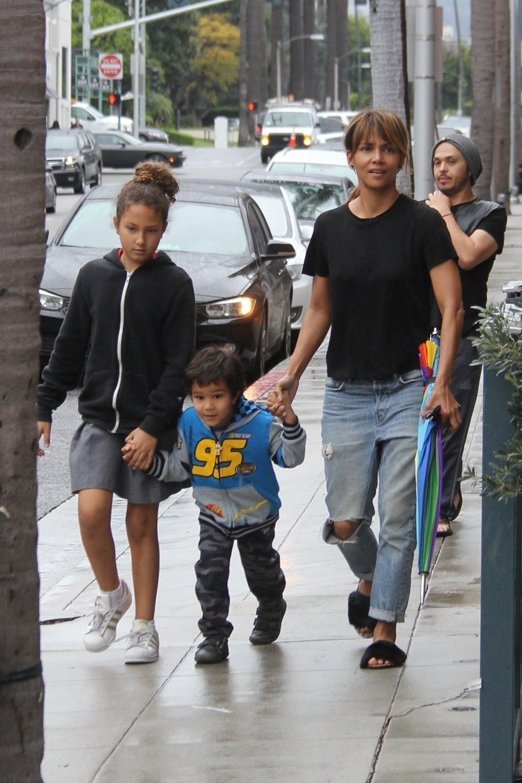 Beverly Hills, CA  - Actress Halle Berry takes her kids Nahla and Maceo to the dentist this afternoon for a routine check up.  Halle carried an umbrella for the expected rain to come down throughout the day.  Pictured: Halle Berry, Nahla Aubry, Maceo Martinez  BACKGRID USA 13 MARCH 2018, Image: 365956174, License: Rights-managed, Restrictions: , Model Release: no, Credit line: Profimedia, AKM-GSI