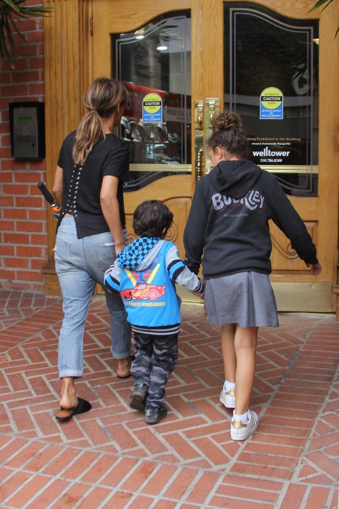 Beverly Hills, CA  - Actress Halle Berry takes her kids Nahla and Maceo to the dentist this afternoon for a routine check up.  Halle carried an umbrella for the expected rain to come down throughout the day.  Pictured: Halle Berry, Nahla Aubry, Maceo Martinez  BACKGRID USA 13 MARCH 2018, Image: 365956344, License: Rights-managed, Restrictions: , Model Release: no, Credit line: Profimedia, AKM-GSI