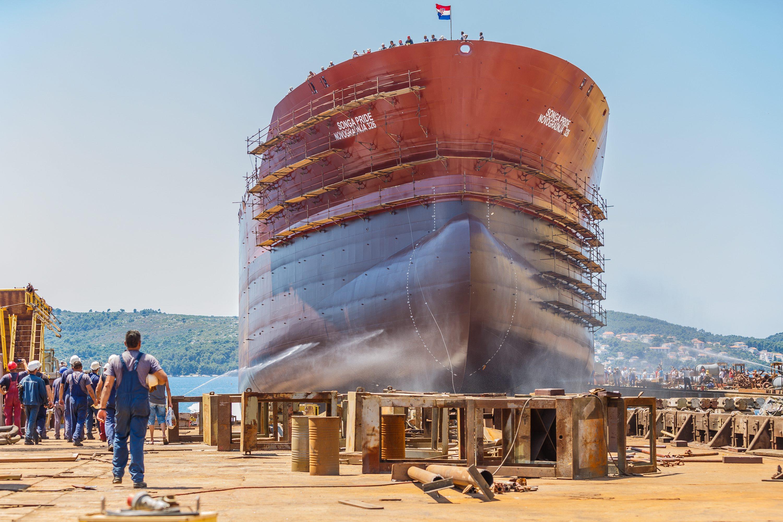 Ilustracija: Porinuće tankera u Brodotrogiru