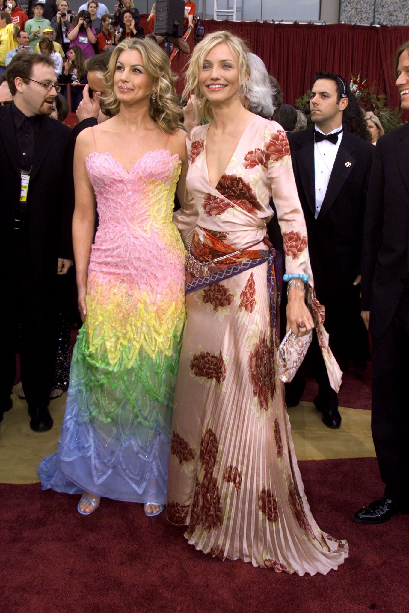 Singer Faith Hill (L) and actress and presenter Cameron Diaz arrive at the 74th annual Academy Awards March 24, 2002 in Hollywood. Hill will perform Best Song nominee