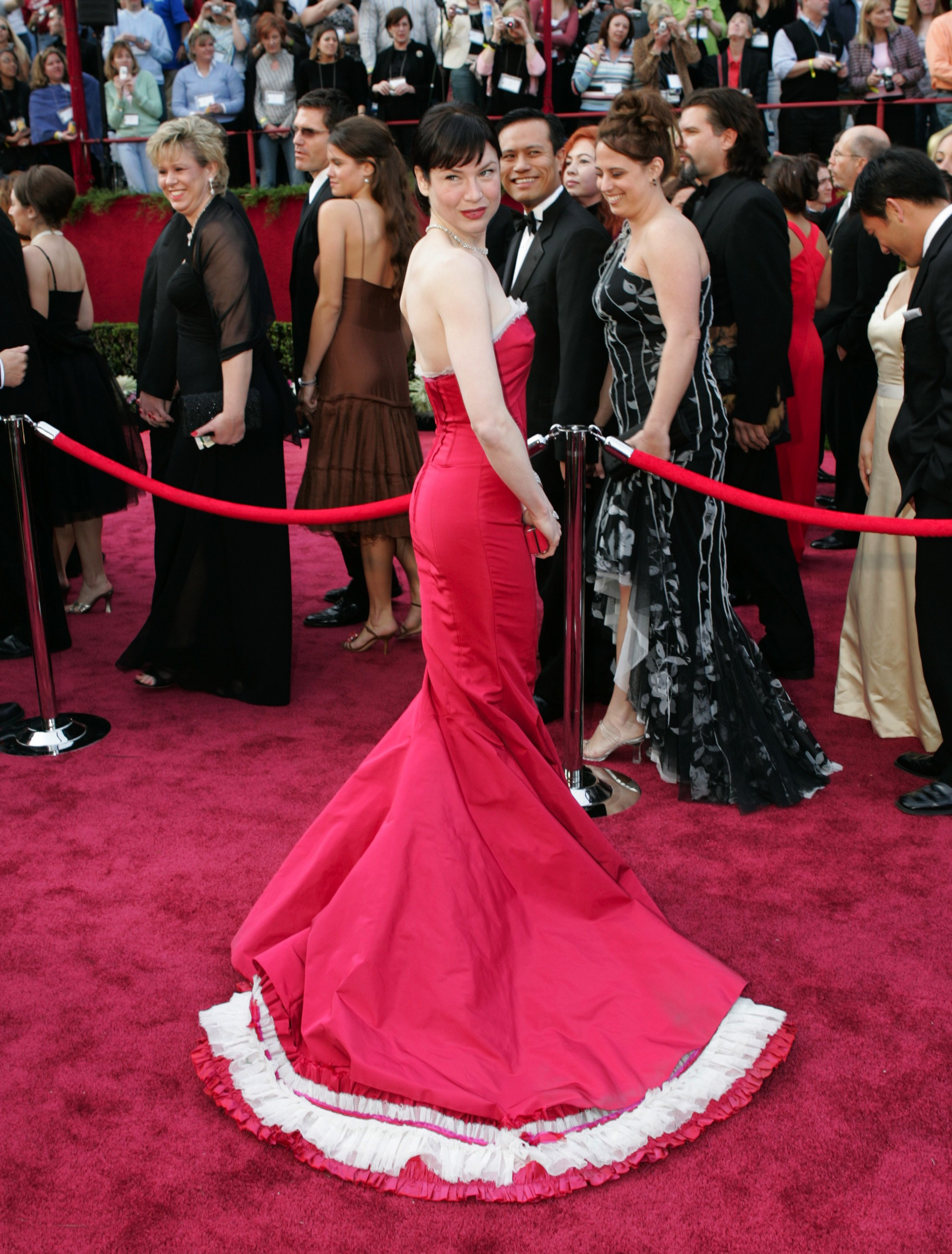 Renee Zellweger (wearing a Carolina Herrera dress and Cartier jewelry) on the red carpet at the 77TH ANNUAL ACADEMY AWARDS, Kodak Theatre, Los Angeles, CA, February 27, 2005., Image: 97160057, License: Rights-managed, Restrictions: For usage credit please use; ©ABC/Courtesy Everett Collection, Model Release: no, Credit line: Profimedia, Everett