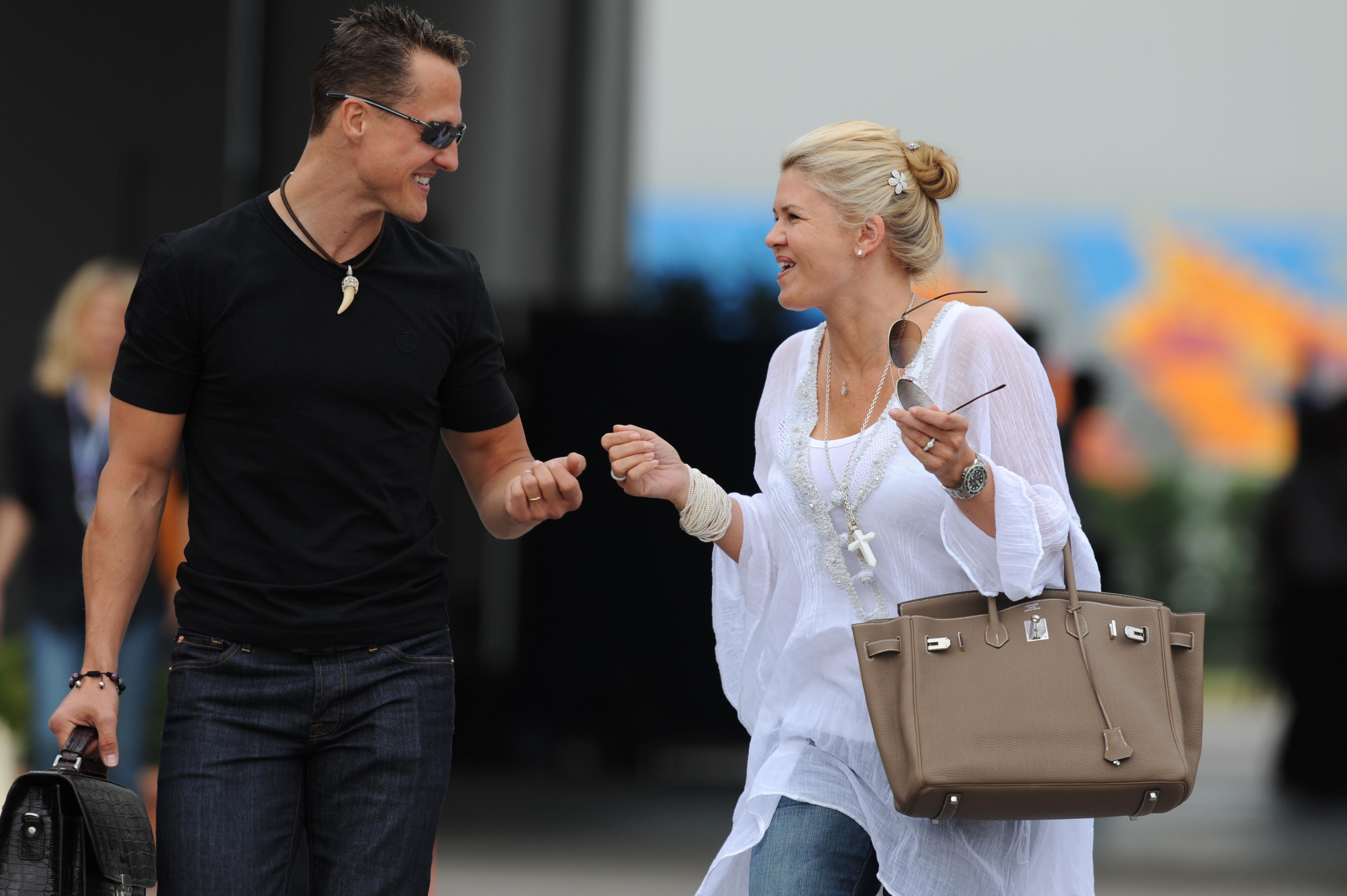Arhivska fotografija iz 2010. godine: Michael Schumacher sa suprugom Corinnom