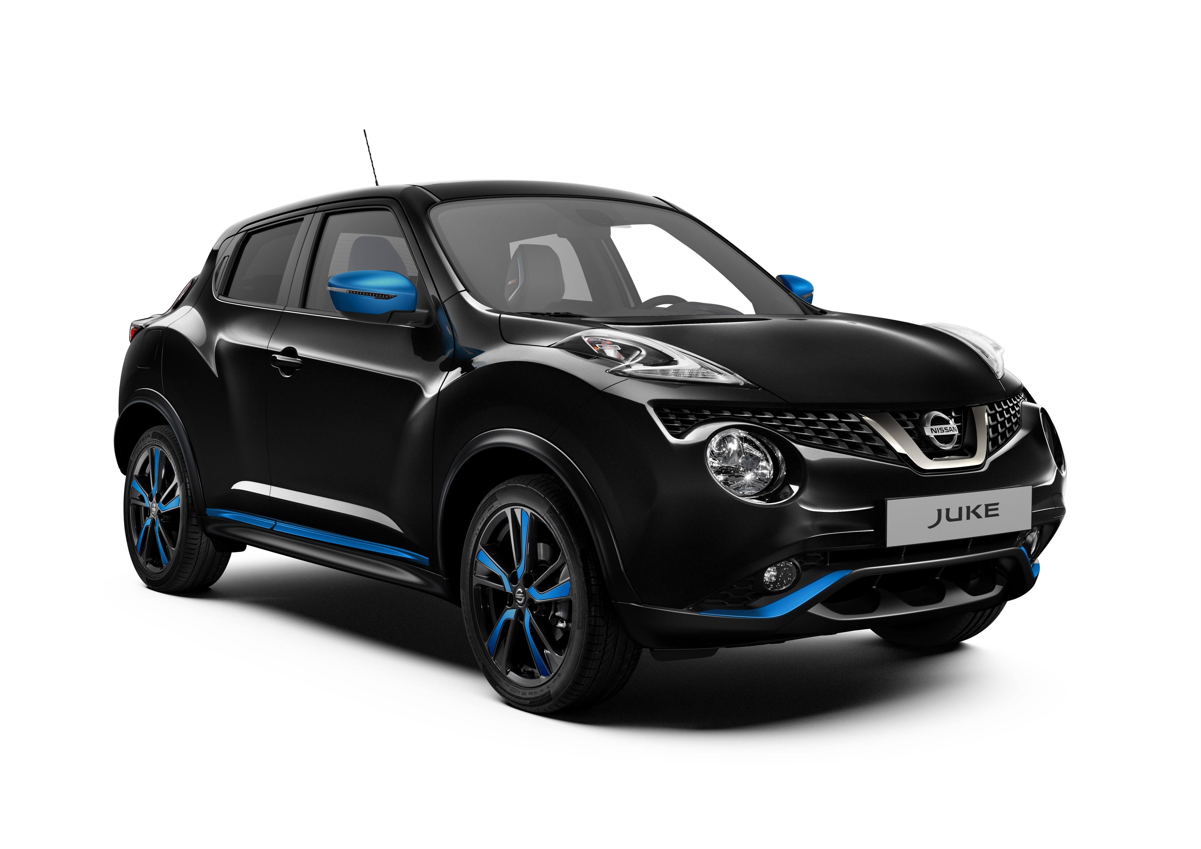 426220251_Nissan Juke MY18 Exterior Blue Perso LHD