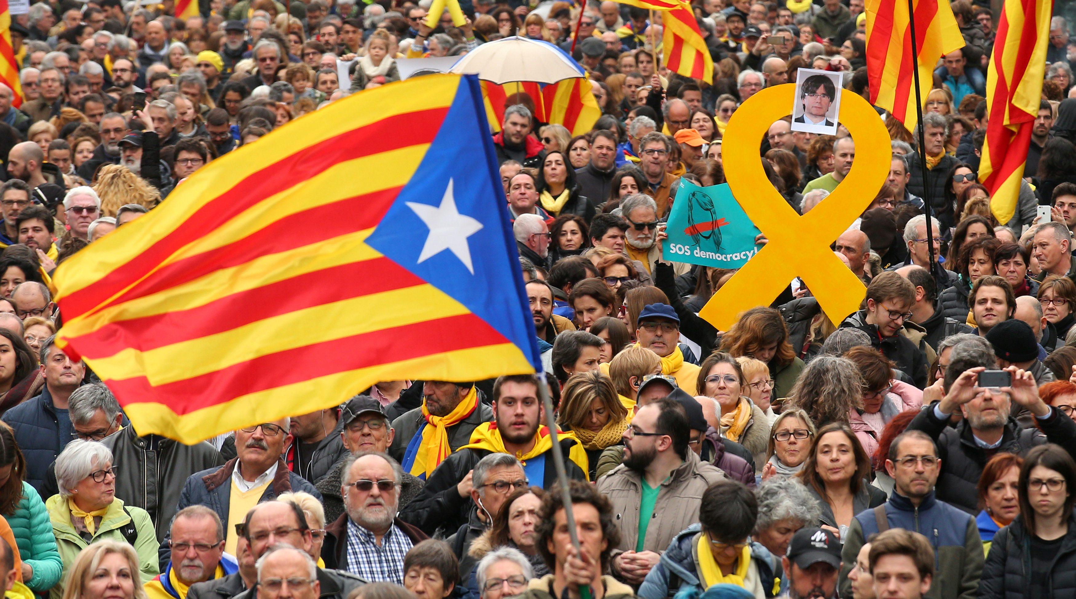 2018-03-25T153628Z_1082676068_RC12F15160A0_RTRMADP_3_SPAIN-POLITICS-CATALONIA-PUIGDEMONT