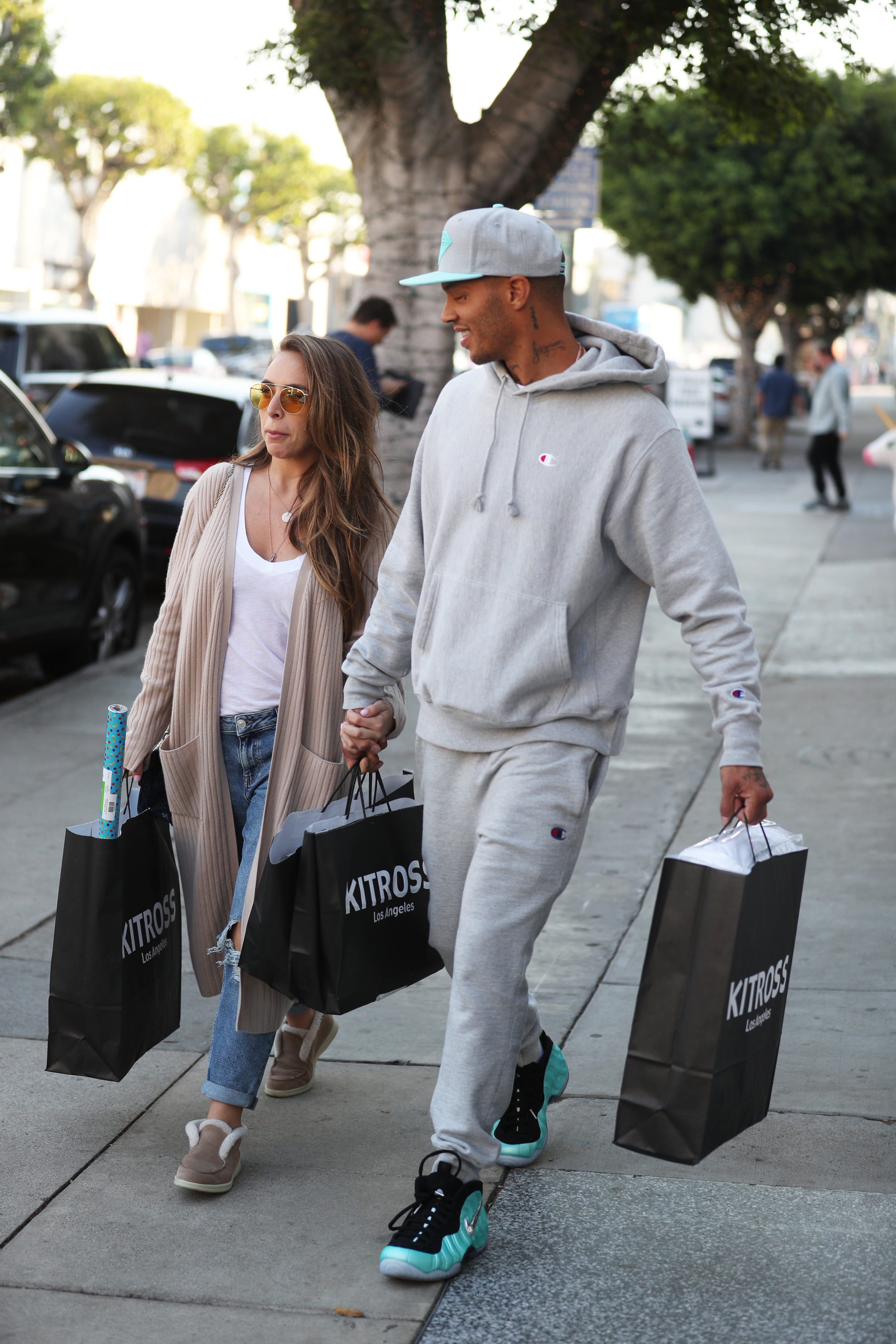 Jeremy Meeks and Chloe Green go Christmas shopping at Kitross in LA <P> Pictured: Jeremy Meeks, Chloe Green <B>Ref: SPL1633926  061217  </B><BR/> Picture by: Xxplosive / Splash News<BR/> </P><P> <B>Splash News and Pictures</B><BR/> Los Angeles:	310-821-2666<BR/> New York:	212-619-2666<BR/> London:	870-934-2666<BR/> <span id=