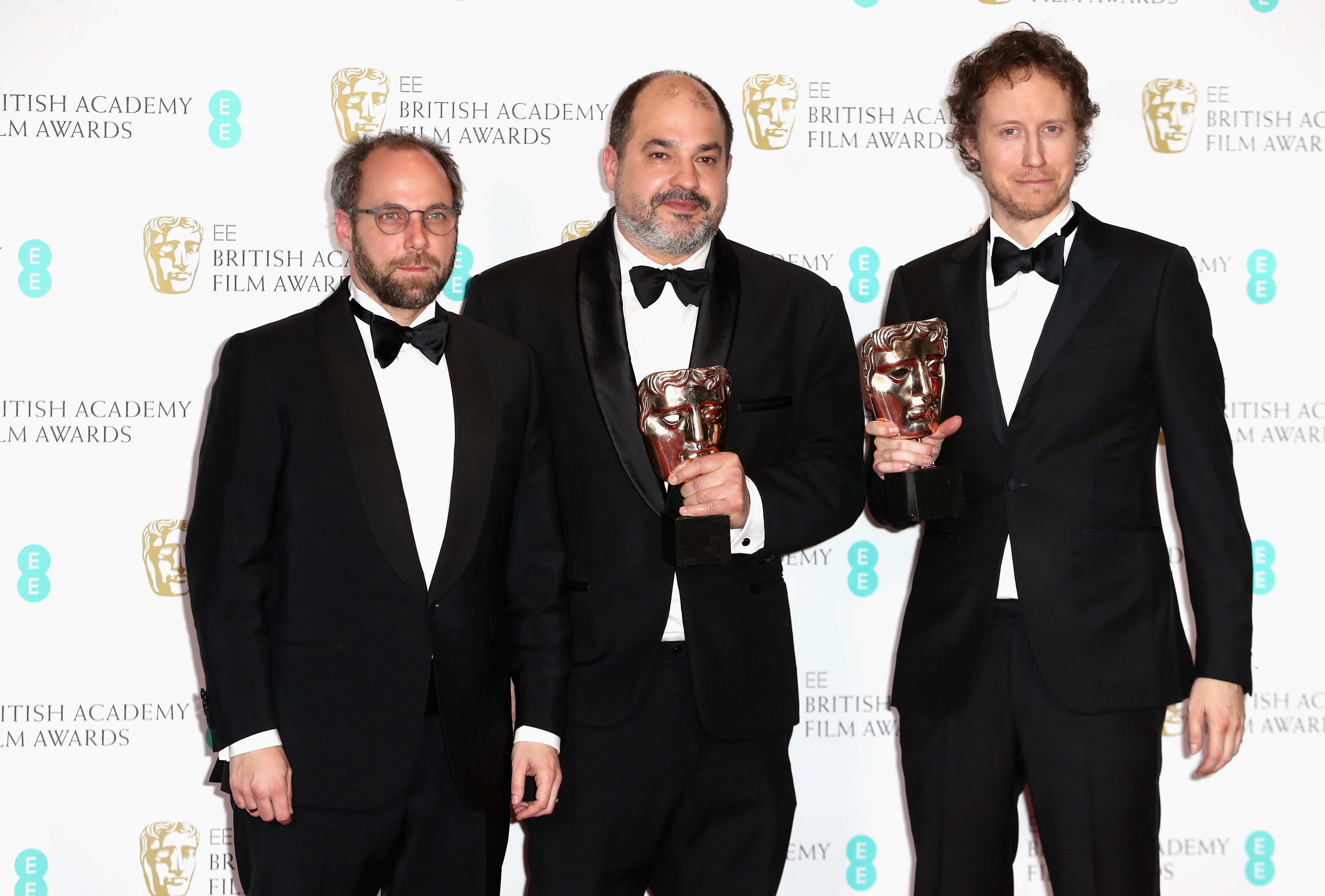 Gabor Sipos, Gabor Rajna i Laszlo Nemes iz mađarskog filma 'Saulov sin' na dodjeli nagrada BAFTA 2017. godine
