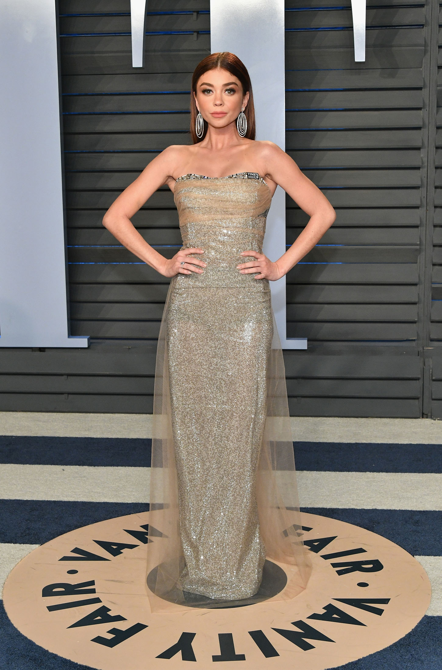 BEVERLY HILLS, CA - MARCH 04:  Sarah Hyland attends the 2018 Vanity Fair Oscar Party hosted by Radhika Jones at Wallis Annenberg Center for the Performing Arts on March 4, 2018 in Beverly Hills, California.  (Photo by Dia Dipasupil/Getty Images)