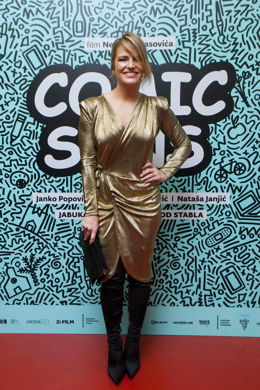 Antonija Blaće u zlatnoj haljini