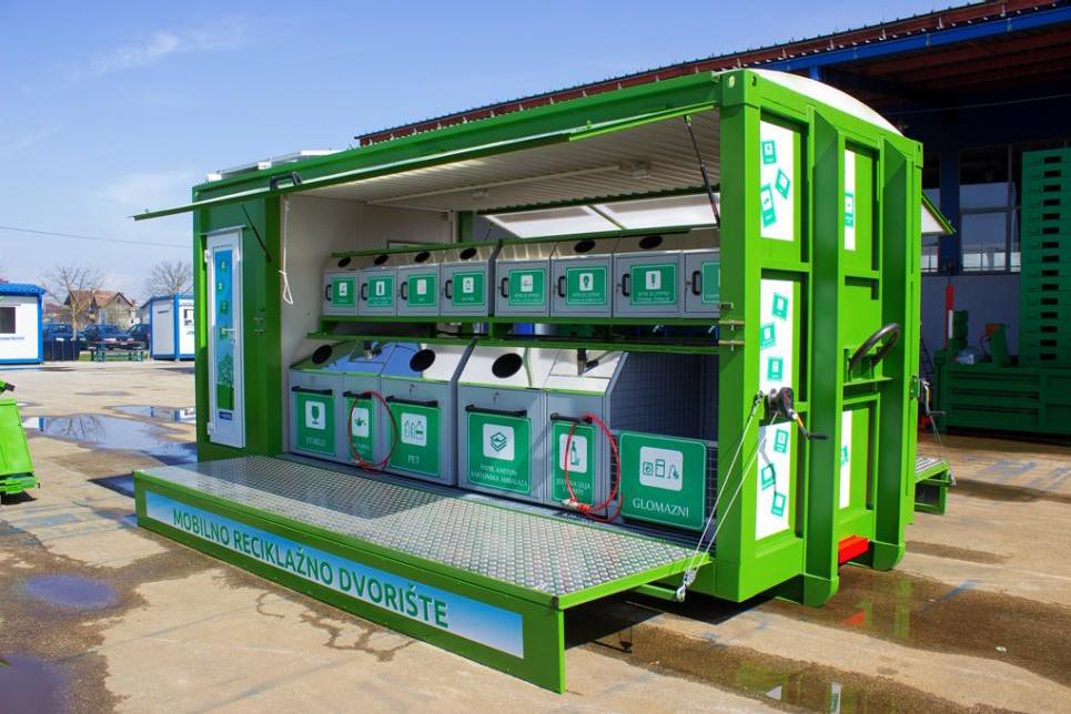 Mobilno reciklažno dvorište u koje građani mogu odlagati otpad