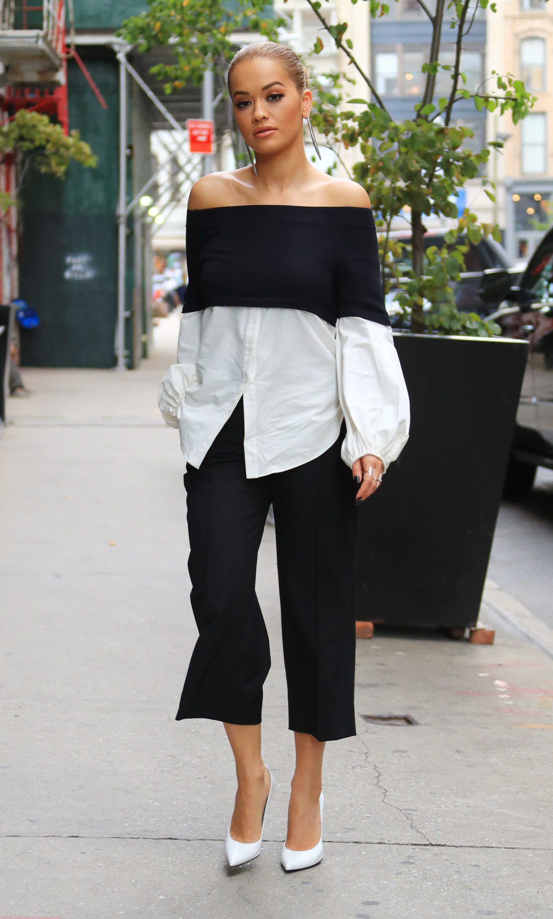 Rita Ora wears a glamorous outfit when out and about in New York <P> Pictured: Rita Ora <B>Ref: SPL1337871  190816  </B><BR/> Picture by: Jackson Lee/Splash News <BR/> </P><P> <B>Splash News and Pictures</B><BR/> Los Angeles:310-821-2666<BR/> New York:212-619-2666<BR/> London:870-934-2666<BR/> <span id=