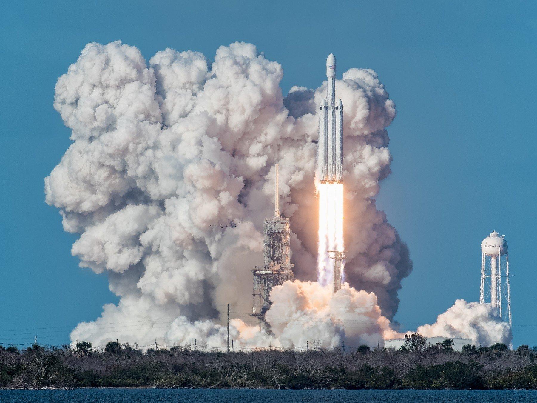 SpaceX Falcon Heavy pri lansiranju
