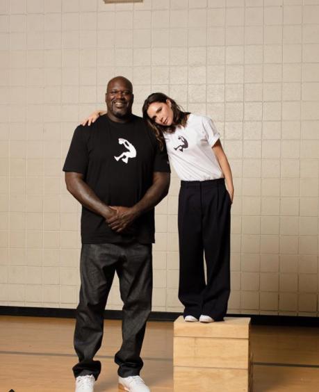 Victoria pozira uz slavnog košarkaša