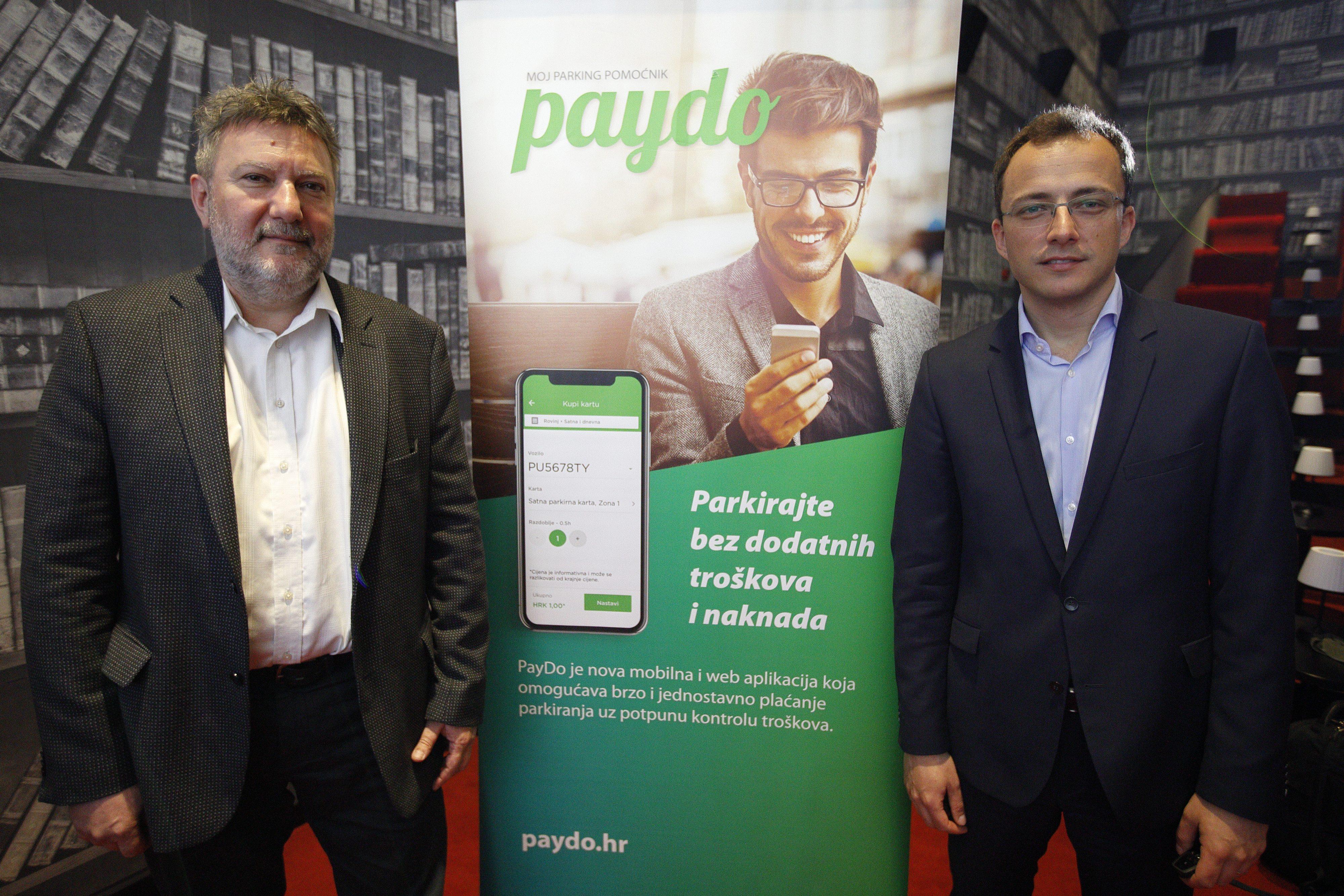 Borivoj Sirovica i Mario Hegedüs iz tvrtke Infoart