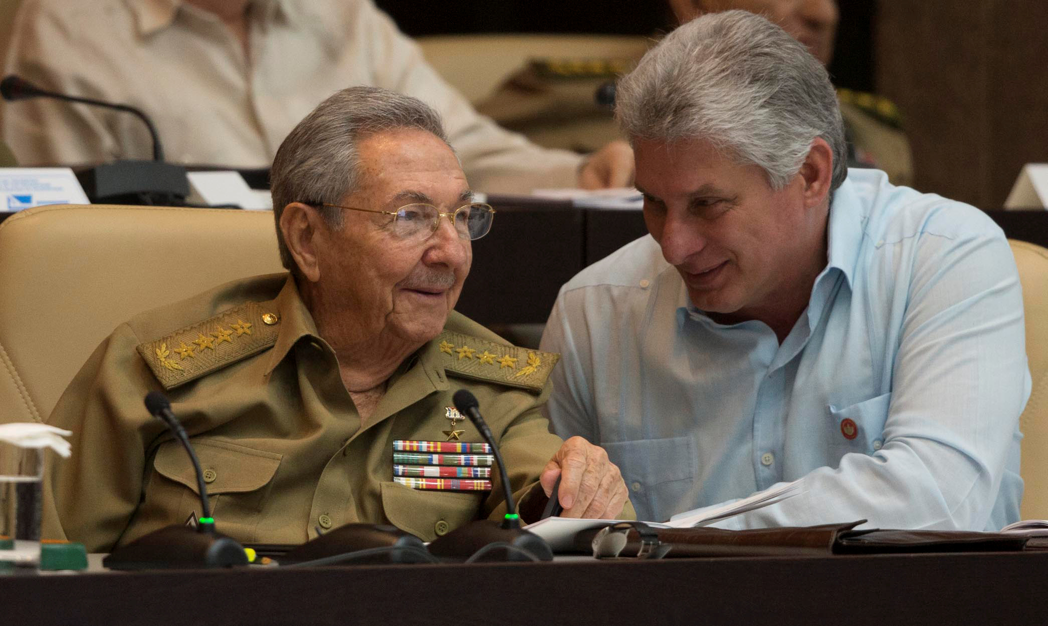 Raul Castro i Miguel Diaz-Canel