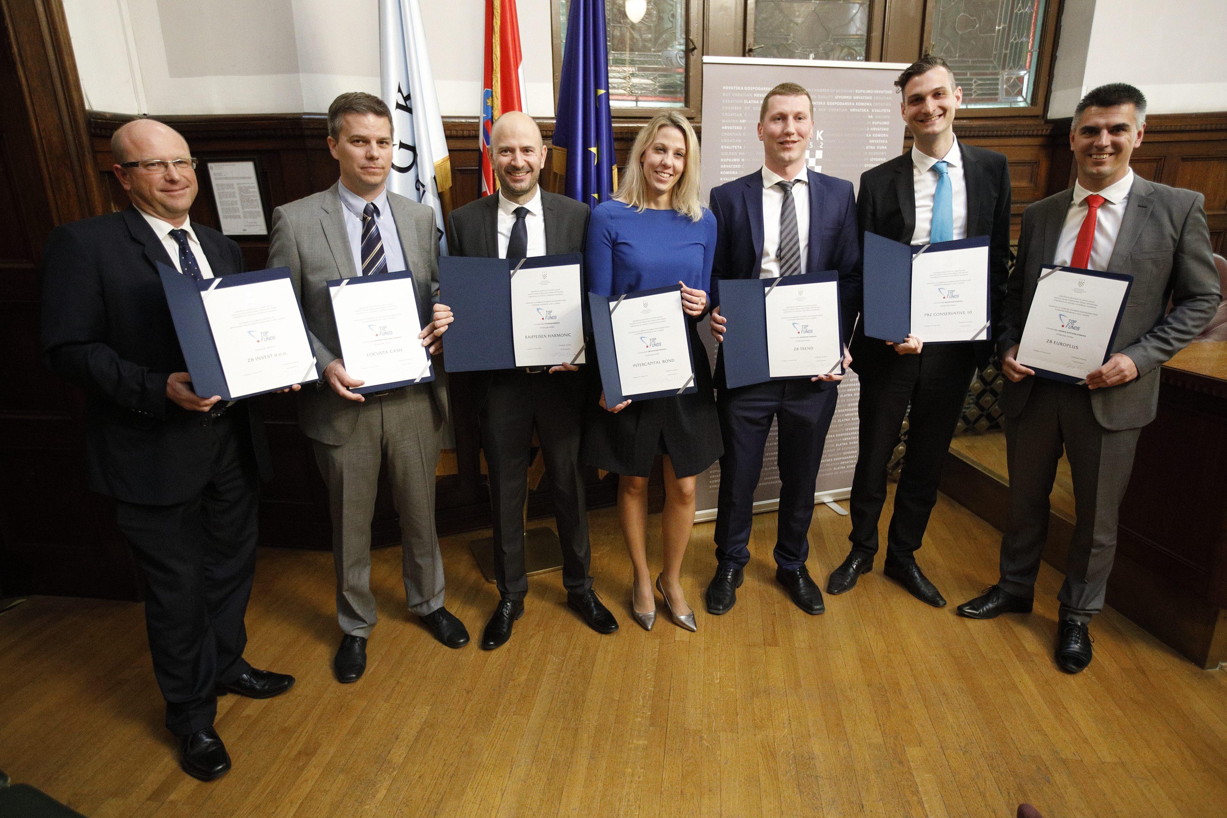 """Dobitnici ggodišnjih nagrada """"Top of the funds"""", za najbolje otvorene investicijske fondove s javnom ponudom i najbolje društvo za upravljanje investicijskim fondovima za 2017."""