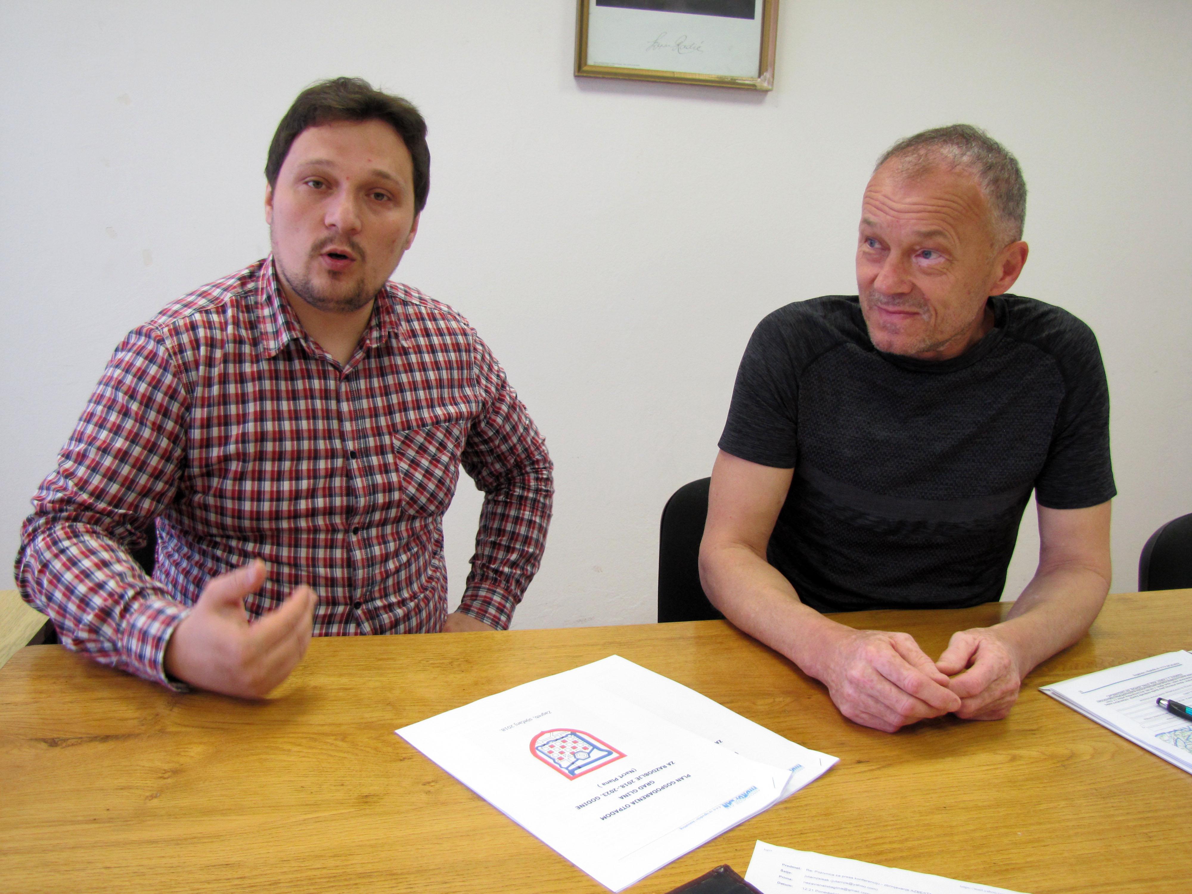 Na fotografiji: Nezavisni gradski vijećnici  Radomir Lončarević i Mario Bozurić