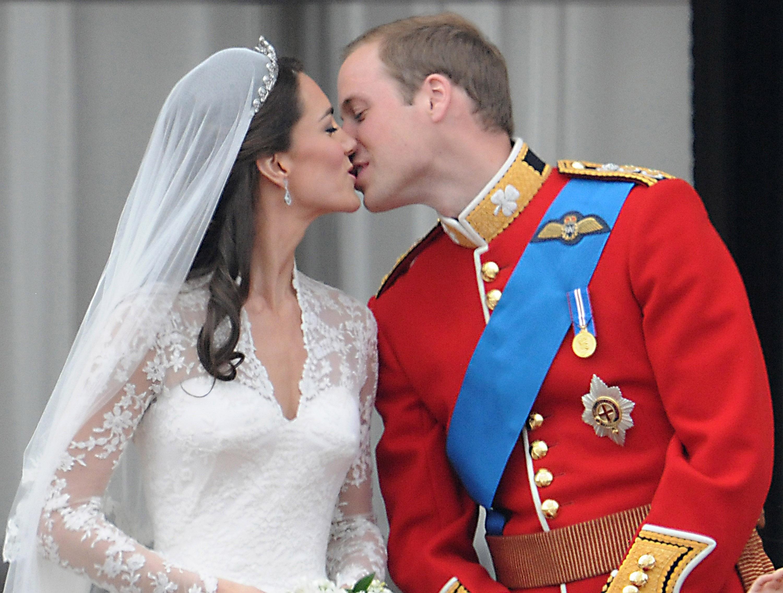 Kate i William poljubac na balkonu