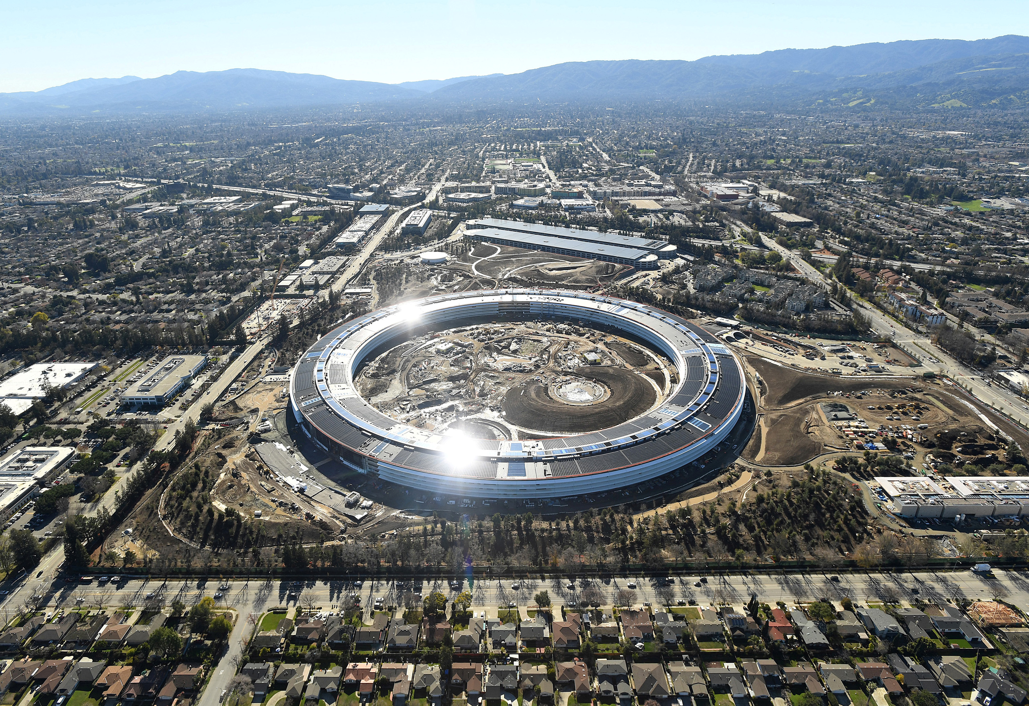 Apple Campus 2 u Cupertinu, Kalifornija
