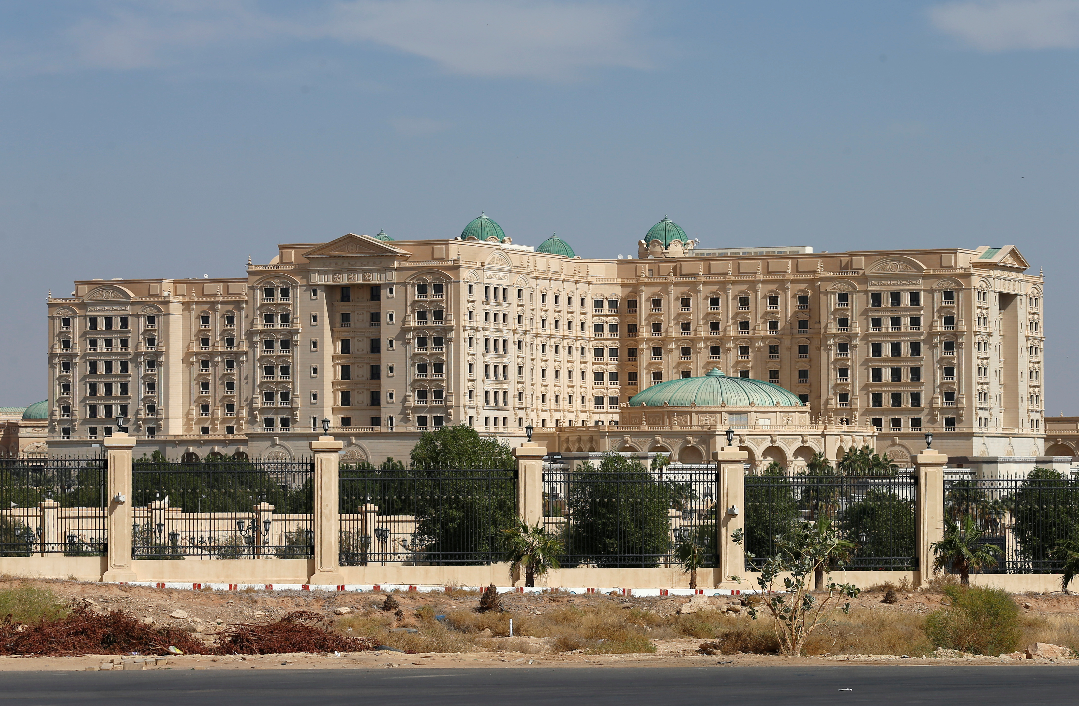 A view shows the Ritz-Carlton hotel in the diplomatic quarter of Riyadh, Saudi Arabia, November 5, 2017. REUTERS/Faisal Al Nasser - RC15C1BED940