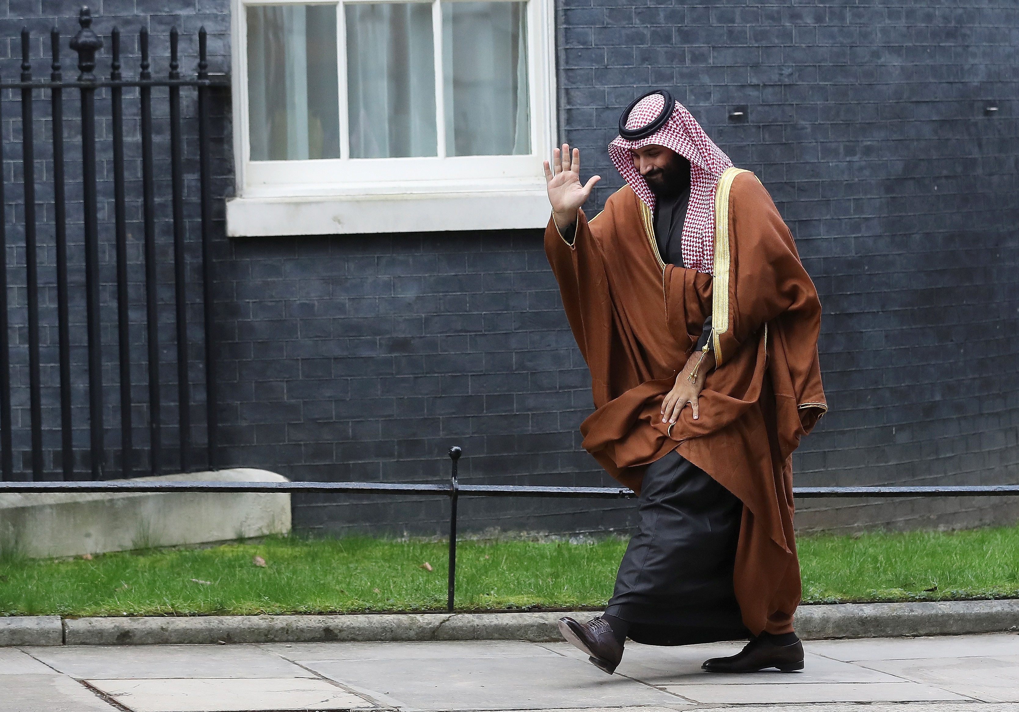 Crown Prince of Saudi Arabia Mohammad bin Salman arrives to meet Britain's Prime Minister Theresa May in Downing Street in London, March 7, 2018. REUTERS/Simon Dawson - RC19929105E0