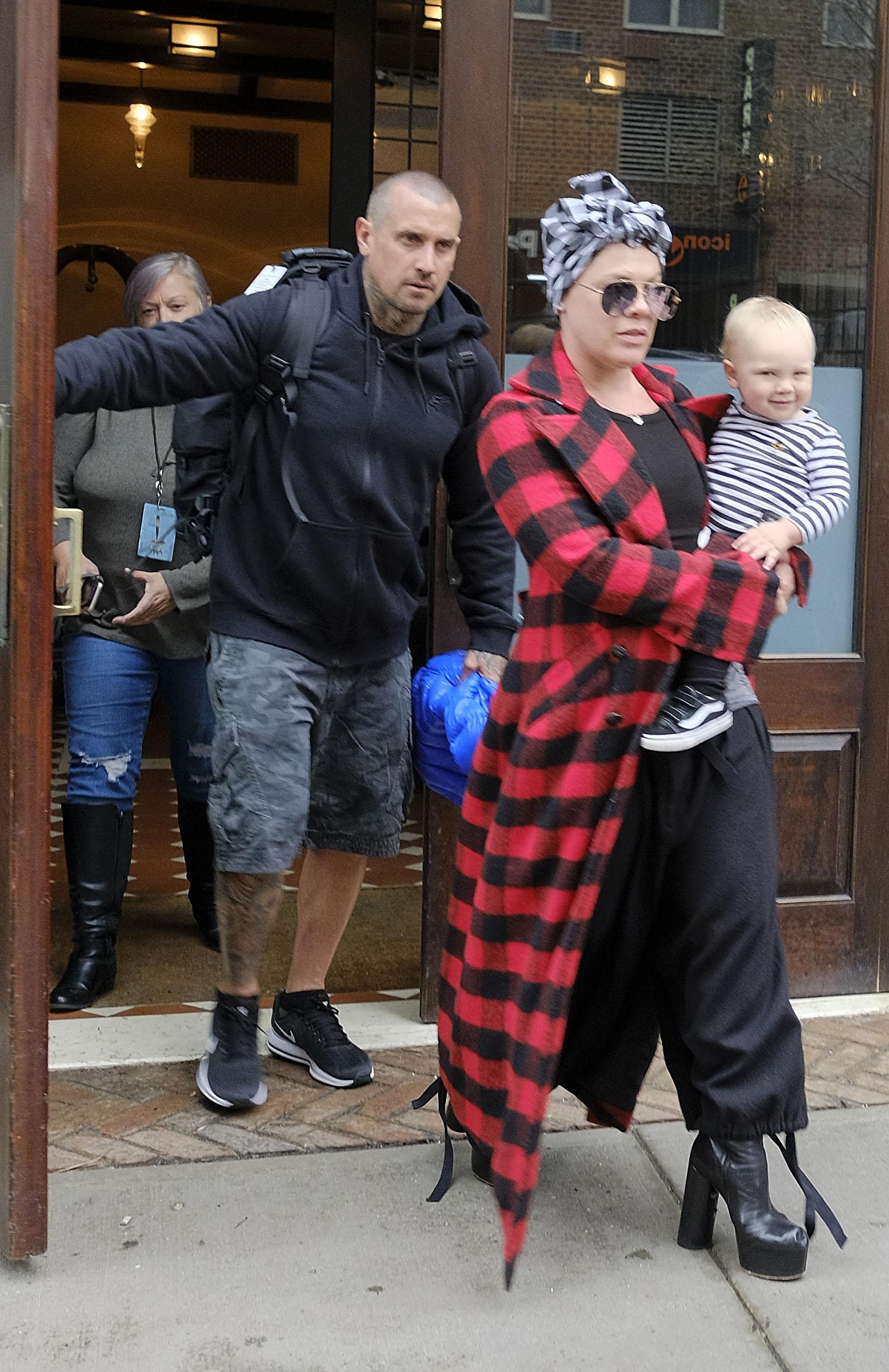 Suprug Carey, Pink i beba Jameson