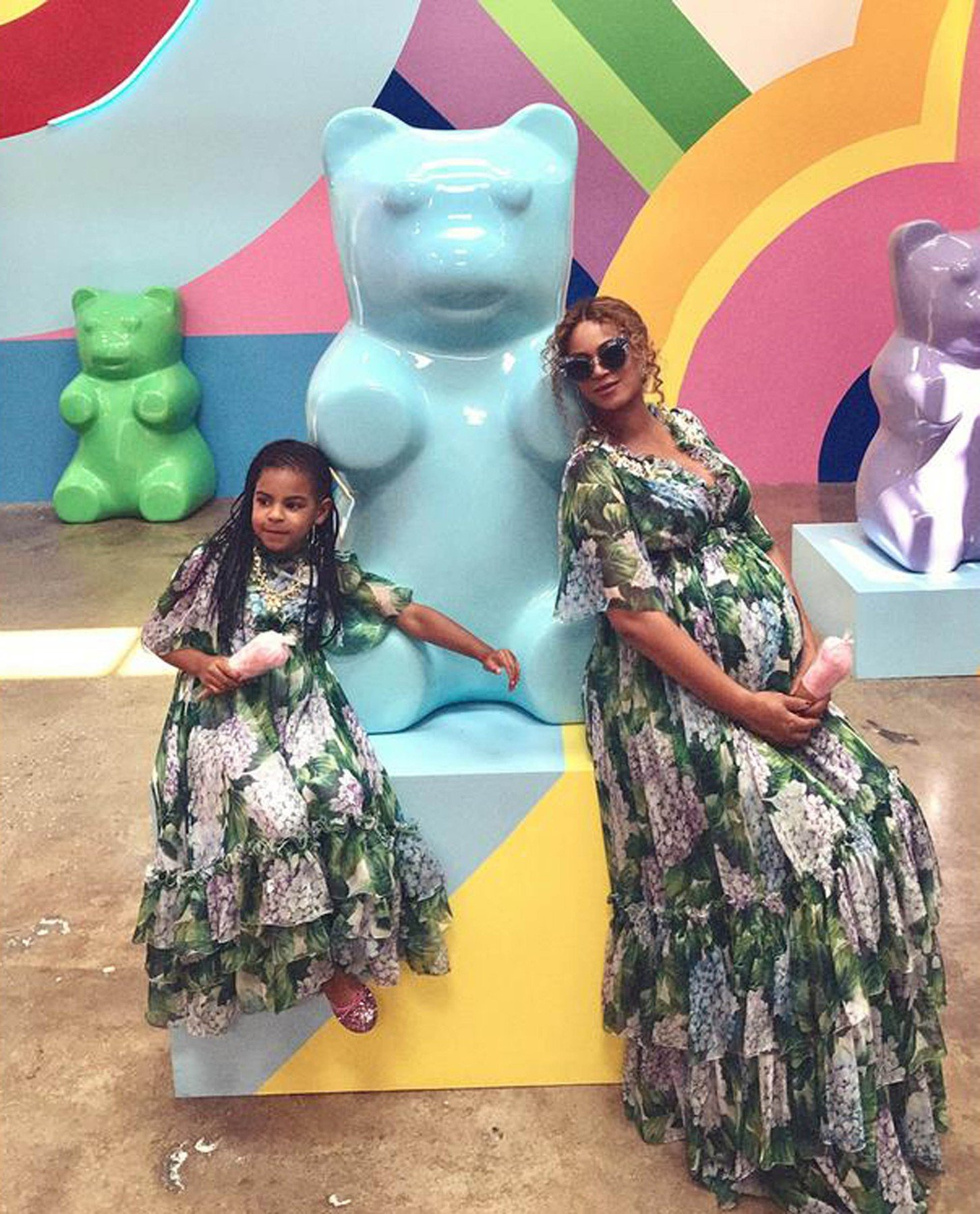 20-5-2017  Beyonce Mother's Day selfies with her family   Pictured: Beyonce Blue Ivy, Image: 332932738, License: Rights-managed, Restrictions: , Model Release: no, Credit line: Profimedia, Planet