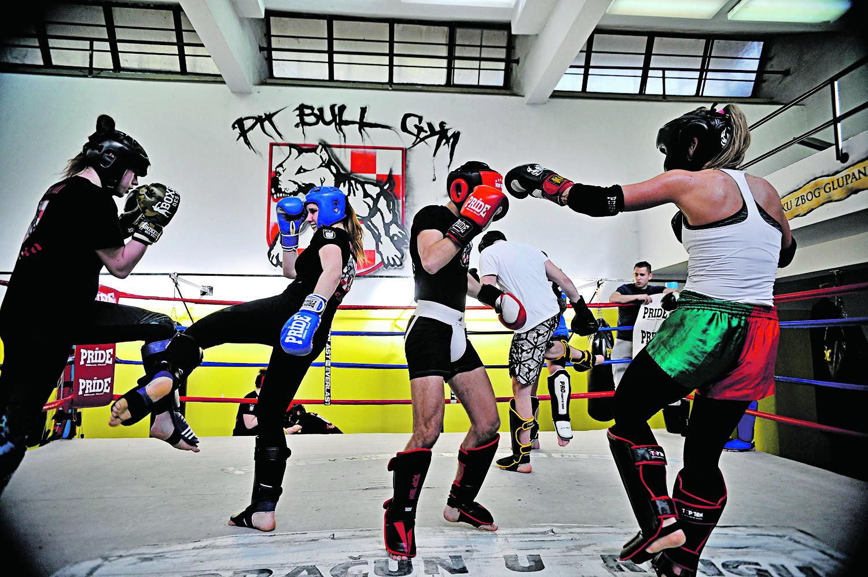 Split, 060418. Clanice kickbox kluba Pitbull osvojile su sedam medalja na prvenstvu Hrvatske. Na treninzima se bore ravnopravno sa muskarcima. Na fotografiji:  Marija Bodac. Foto: Nikola Vilic / CROPIX