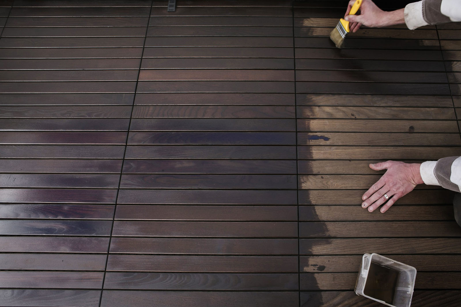Zagreb, 090516.  Stan od 35 metara kvadratnih u Preckom pratili smo u svim fazama preuredjenja. Od biranja stana, pocetnog stanja, odabira projekta uredjenja, majstora, dovozenja namjestaja i konacnog uredjenja.  Obilazili smo majstore i prodajne salone u kojima se birao namjestaj i materijal za gradnju.  Na fotografiji: Balkon od pocetnog do uredjenog  Foto: Berislava Picek/ CROPIX