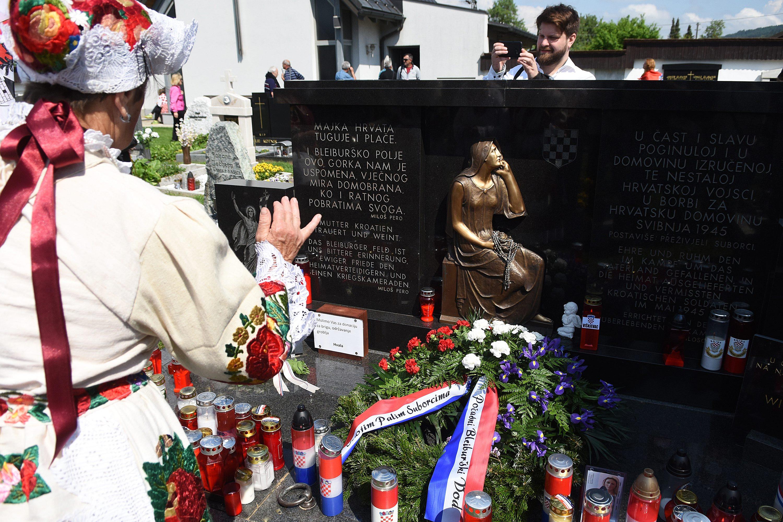 Sudionici komemoracije na groblju u Bleiburgu