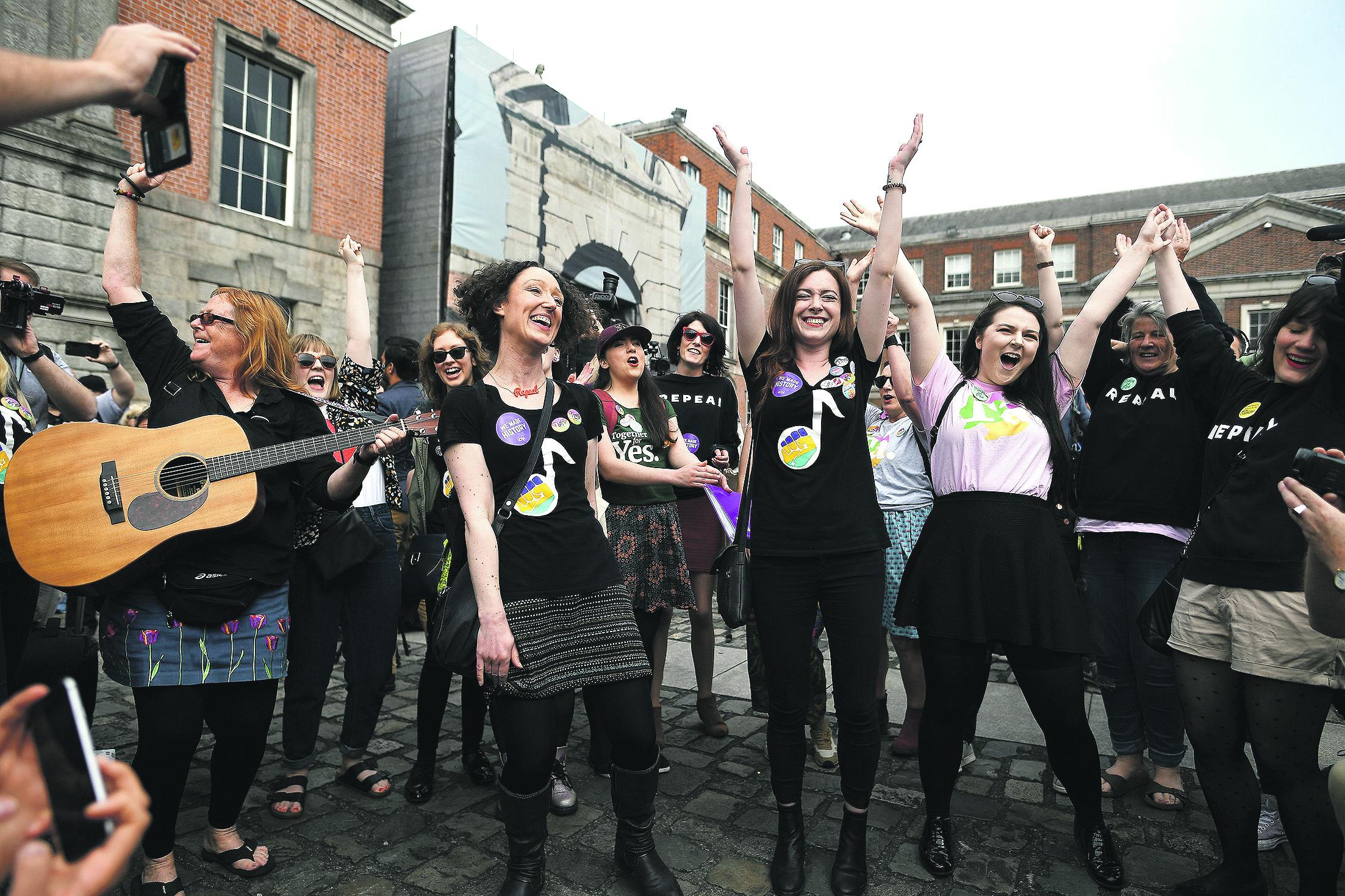 Dublin, 26.5.2018.: Žene slave rezultate referenduma odnosno konačnu legalizaciju pobačaja u Irskoj