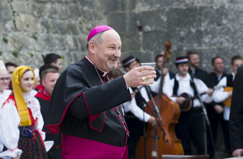 Biskup Ivica Petanjak