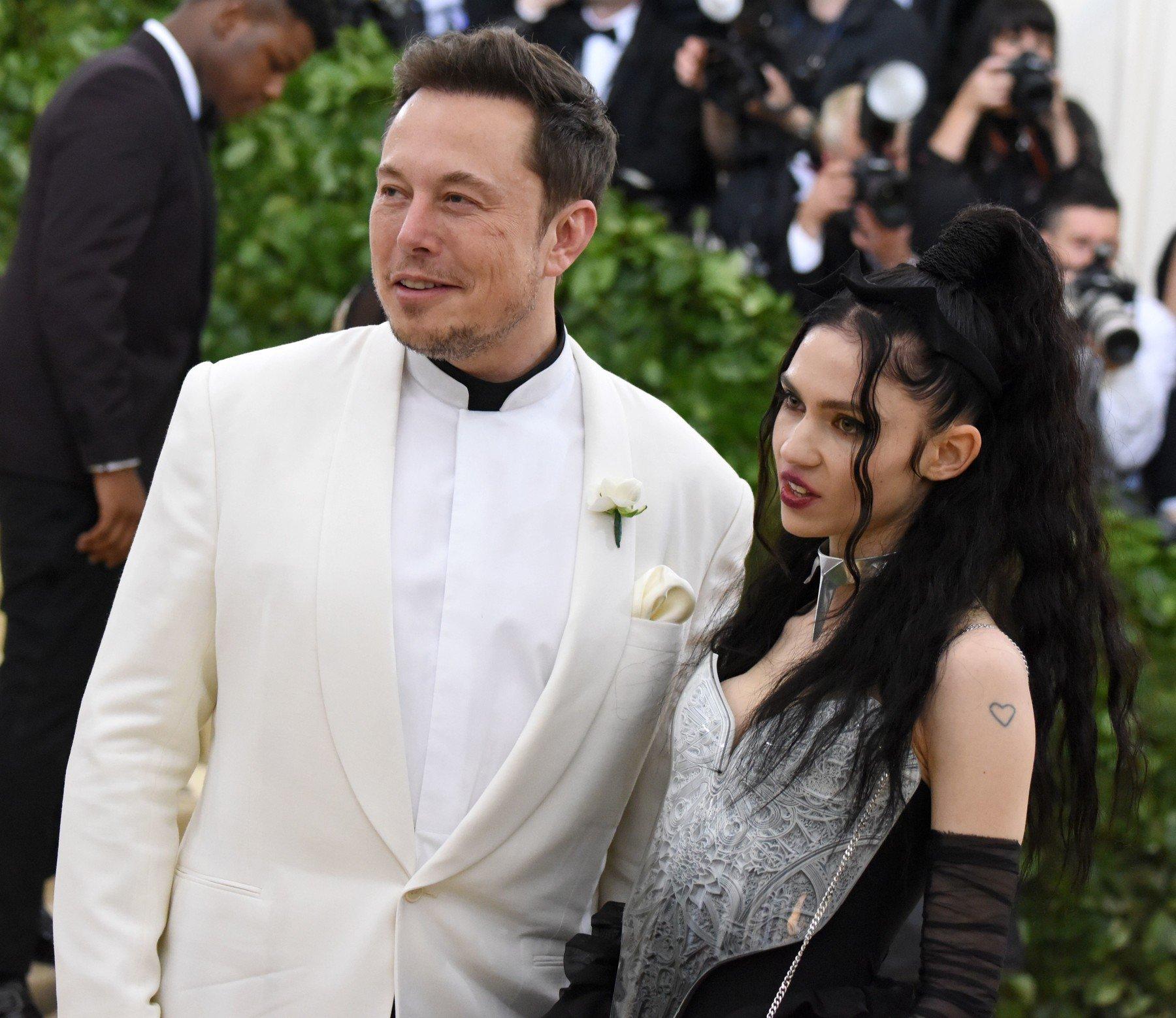 Elon Musk i Grimes na Met Gala