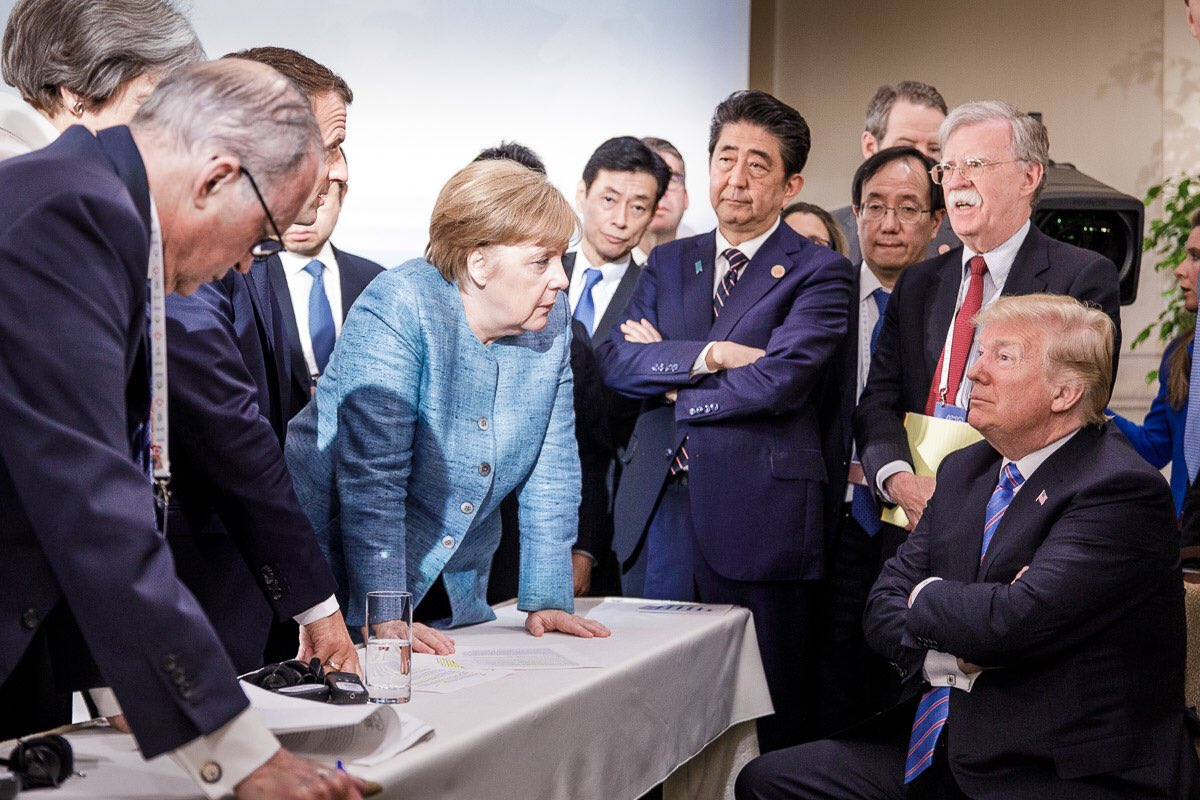 Emmanuel Macron, Angela Merkel, Shinzo Abe, John Bolton i Donald Trump (pored Macrona je i Theresa May, no na ovoj fotografiji ona se ne vidi)