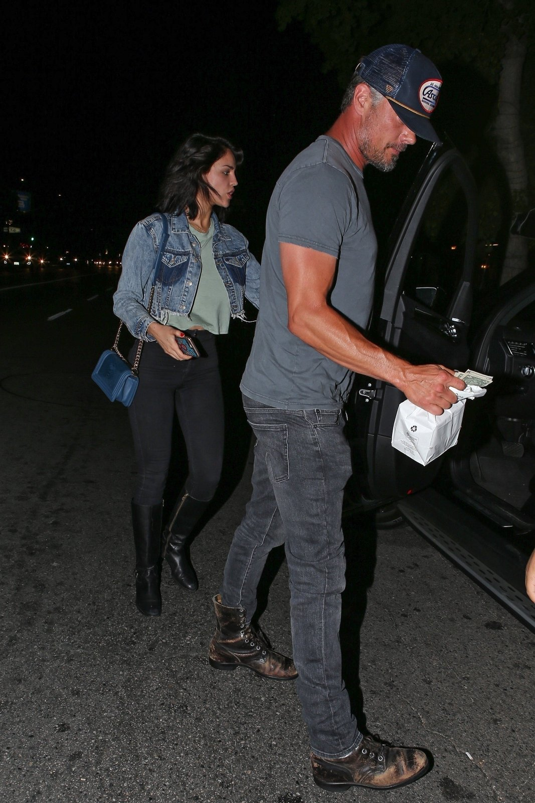 Sherman Oaks, CA  - *PREMIUM-EXCLUSIVE* - Things seem to be heating up between Josh Duhamel and Eiza Gonzalez are they are spotted going on a second date at Antonio's Pizzeria. The pair chat it up and enjoy each other's company at the Italian eatery in Sherman Oaks while waiting for their ride at the valet.  Pictured: Josh Duhamel, Eiza Gonzalez    *UK Clients - Pictures Containing Children Please Pixelate Face Prior To Publication*, Image: 374514763, License: Rights-managed, Restrictions: , Model Release: no, Credit line: Profimedia, AKM-GSI
