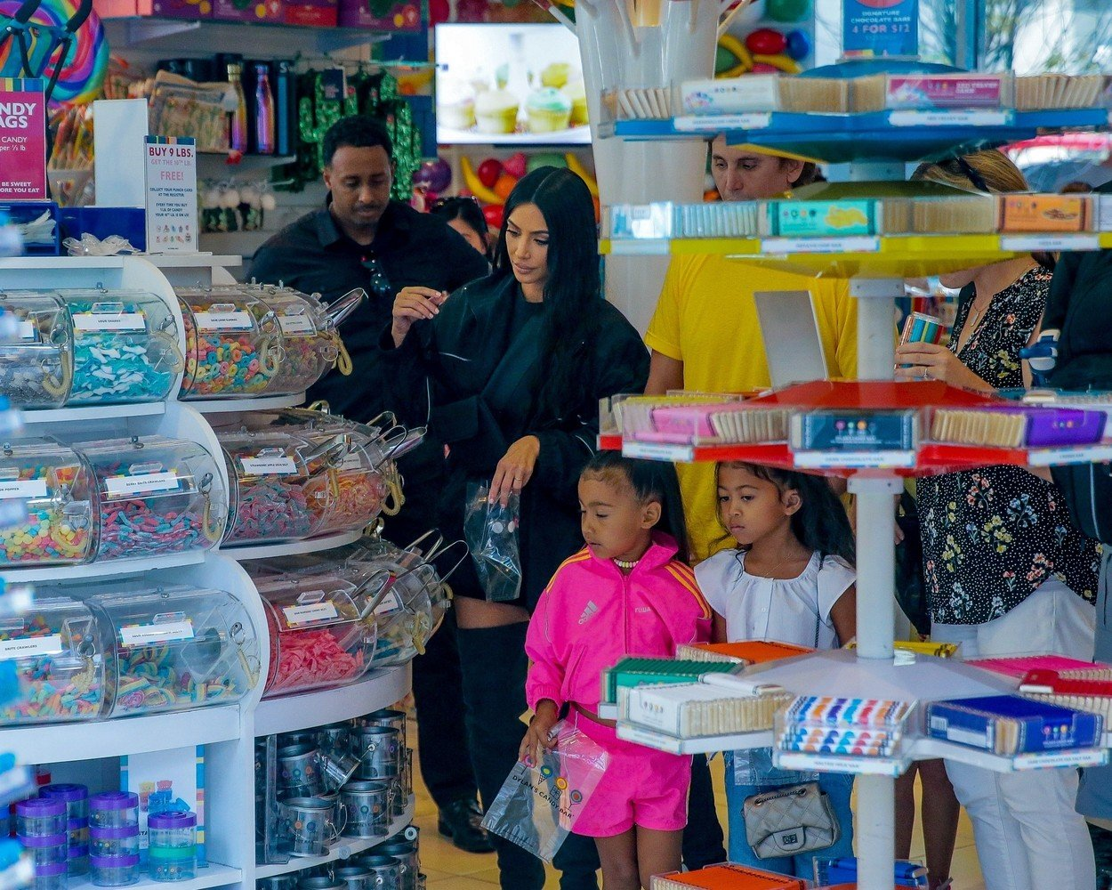 New York, NY  - Kim Kardashian takes her daughter North and her friend to grab ice cream at Dylan's Candy Bar in New York City.  Pictured: Kim Kardashian, North West,  BACKGRID USA 14 JUNE 2018, Image: 374924913, License: Rights-managed, Restrictions: , Model Release: no, Credit line: Profimedia, AKM-GSI