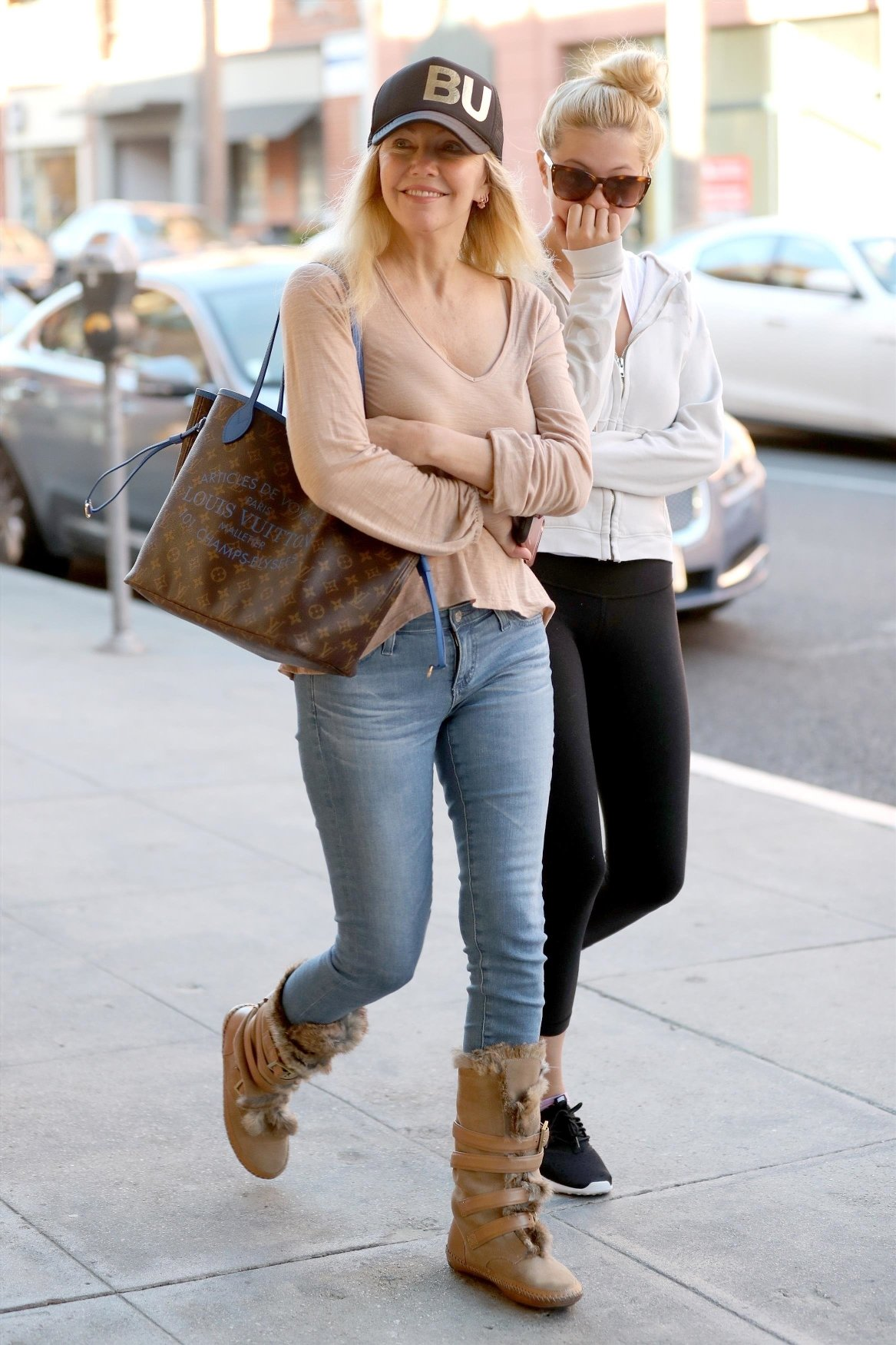 Beverly Hills, CA  - *EXCLUSIVE* Heather Locklear and her daughter Ava Sambora head off to grab some breakfast in Beverly Hills.  Pictured: Heather Locklear, Ava Sambora  BACKGRID USA 29 DECEMBER 2017, Image: 358851668, License: Rights-managed, Restrictions: , Model Release: no, Credit line: Profimedia, AKM-GSI