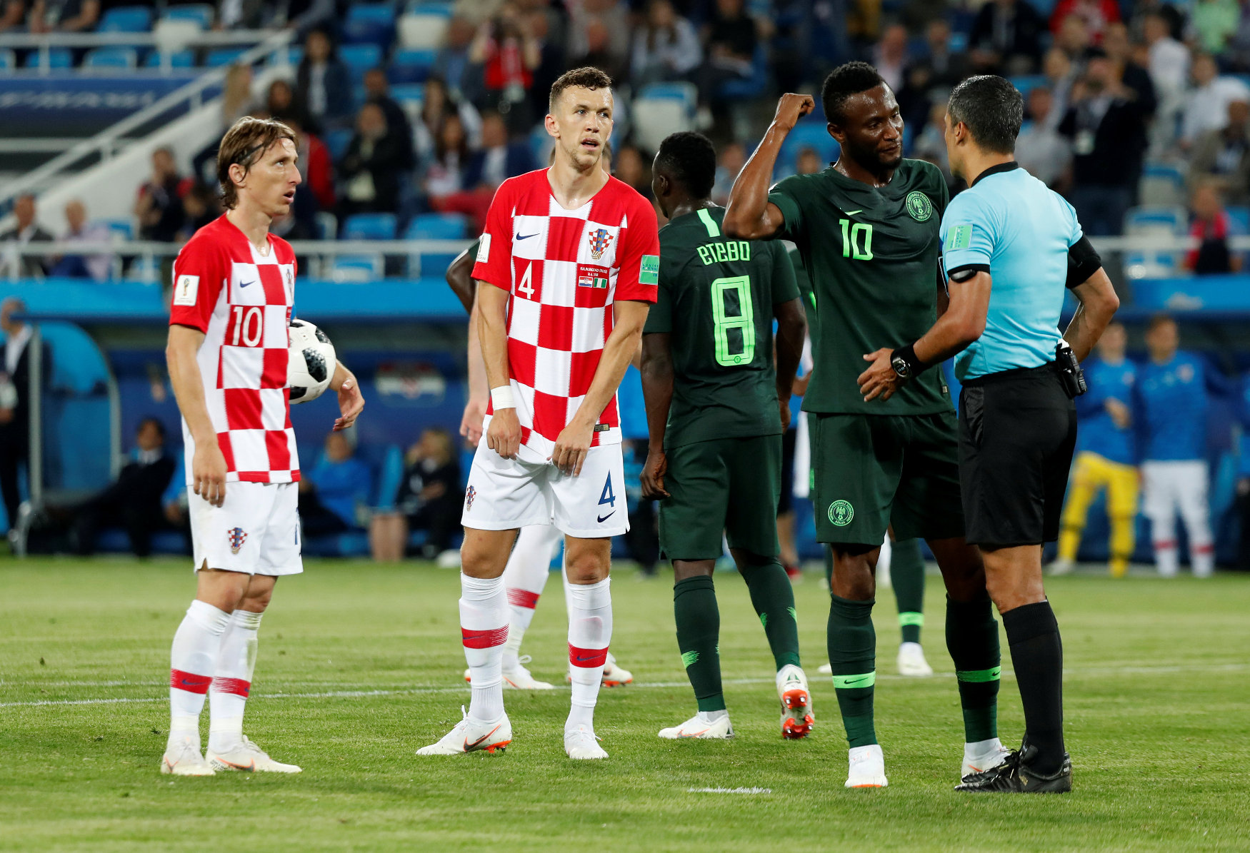 2018-06-16T203145Z_1534002804_RC1E1F095350_RTRMADP_3_SOCCER-WORLDCUP-CRO-NGA