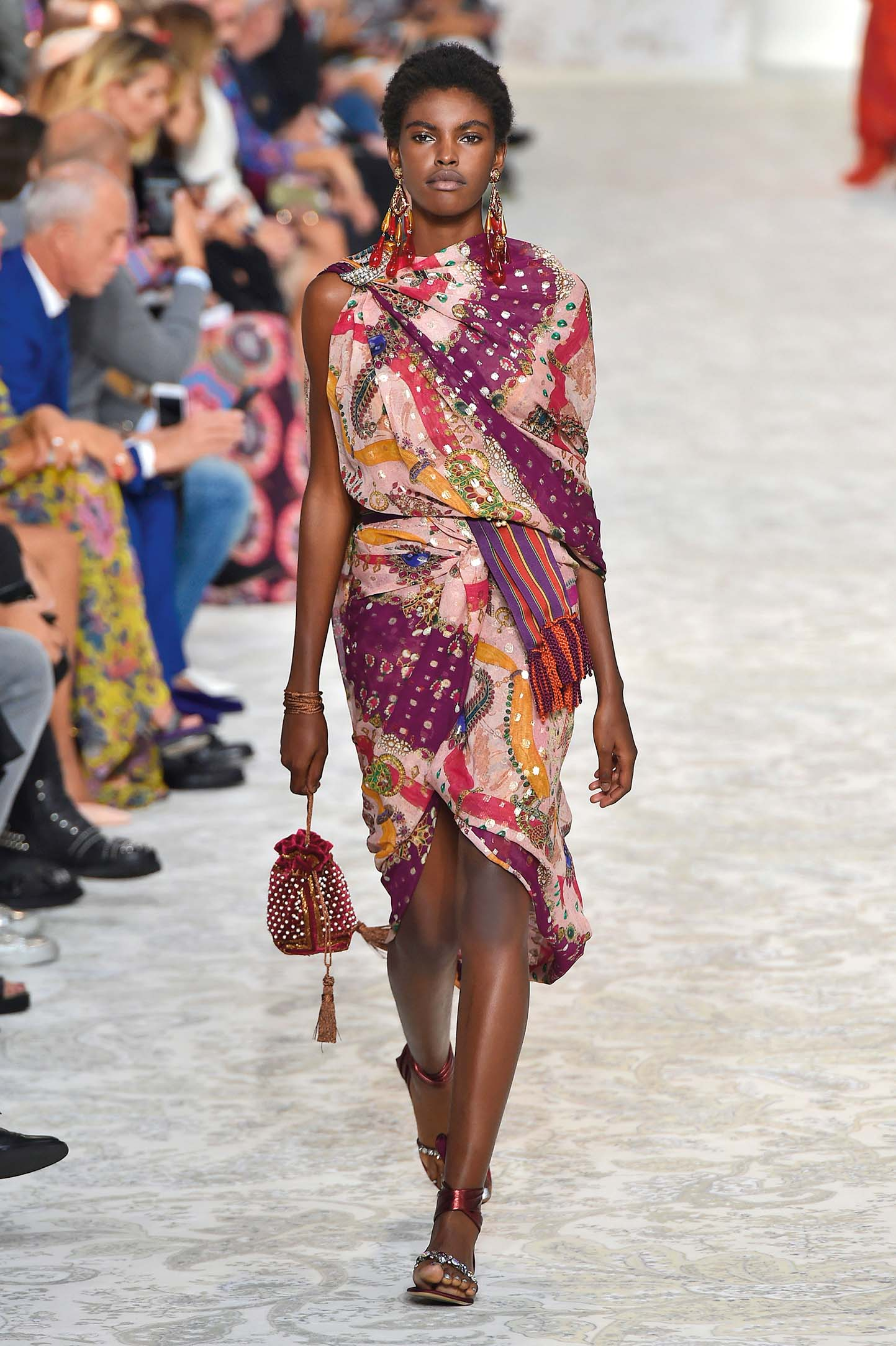 MILAN, ITALY - SEPTEMBER 22:  A model walks the runway at the Etro Spring Summer 2018 fashion show during Milan Fashion Week on September 22, 2017 in Milan, Italy.  (Photo by Catwalking/Getty Images)
