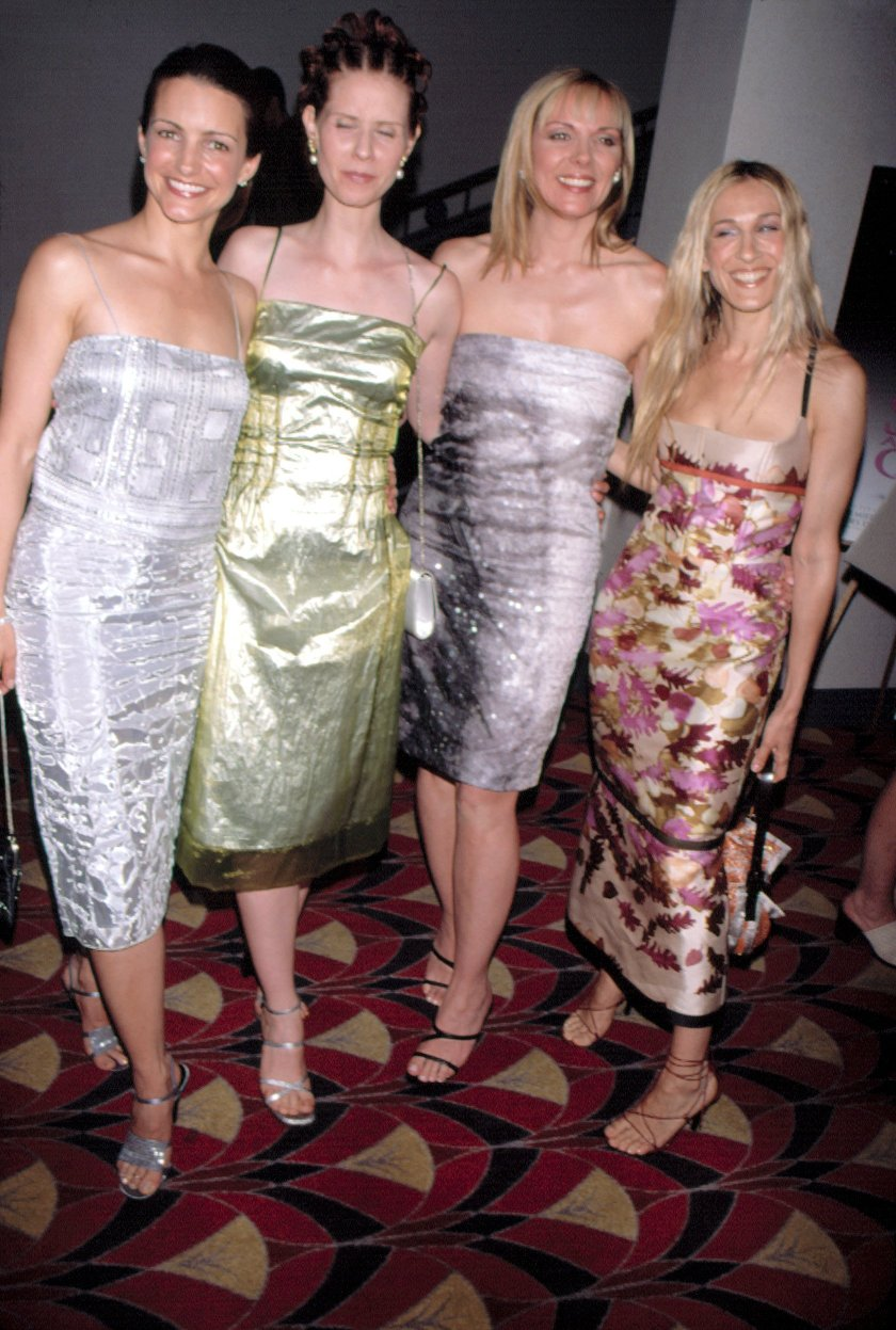 Kristin Davis, Cynthia Nixon, Kim Cattrall, Sarah Jessica Parker at the HBO New York preview of SEX AND THE CITY, June 3, 1999., Image: 99009696, License: Rights-managed, Restrictions: For usage credit please use; Sean Roberts/Everett Collection, Model Release: no, Credit line: Profimedia, Everett