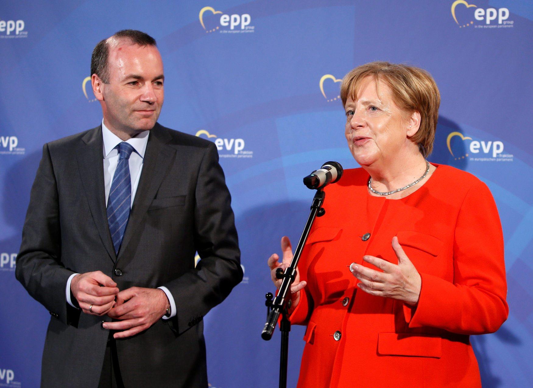 Manfred Weber i Angela Merkel