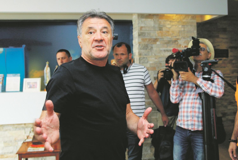 Medjugorje, 060618. Zdravko Mamic za vrijeme presude nalazio se u Medjugorju odakle je iz restorana Villa Regina pratio citanje presude u Osijeku. Nakon procitane presude odrzao je konferenciju za medije. Foto: Duje Klaric / CROPIX