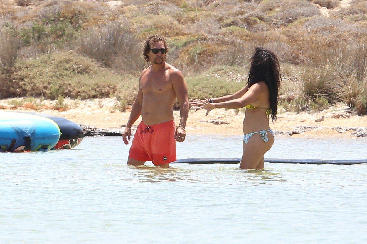 Matthew McConaughey i Camilla Alves